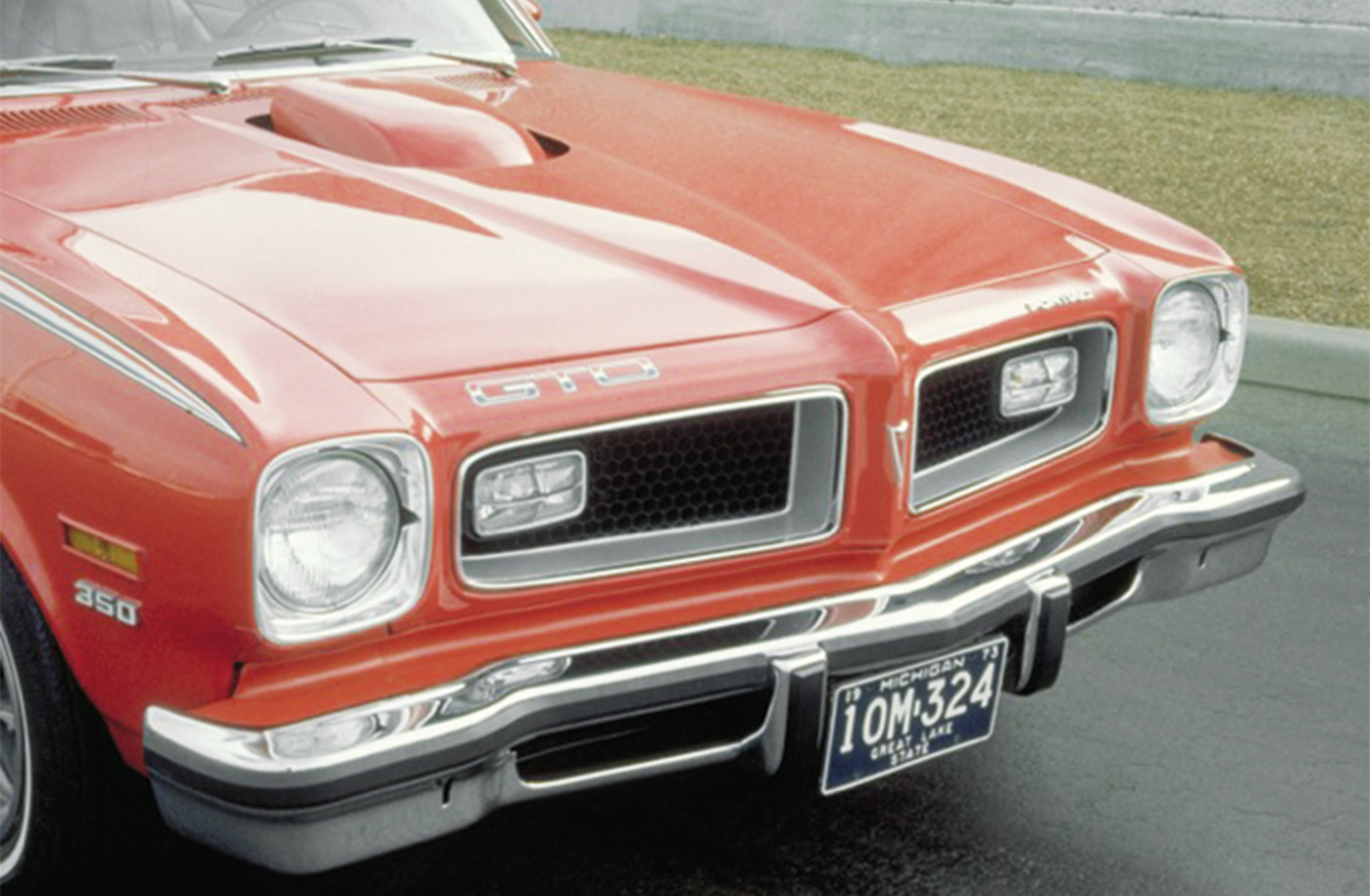 Exterior upgrades from the standard Pontiac Ventura included 1966 Grand Prix turn signals, specific GTO striping, and a Trans Am–inspired Shaker hood. Unlike the Trans Ams, the GTO's 350 was able to pass noise standards, allowing the scoop to be functional. It was the only year the GTO had standard Ram Air.