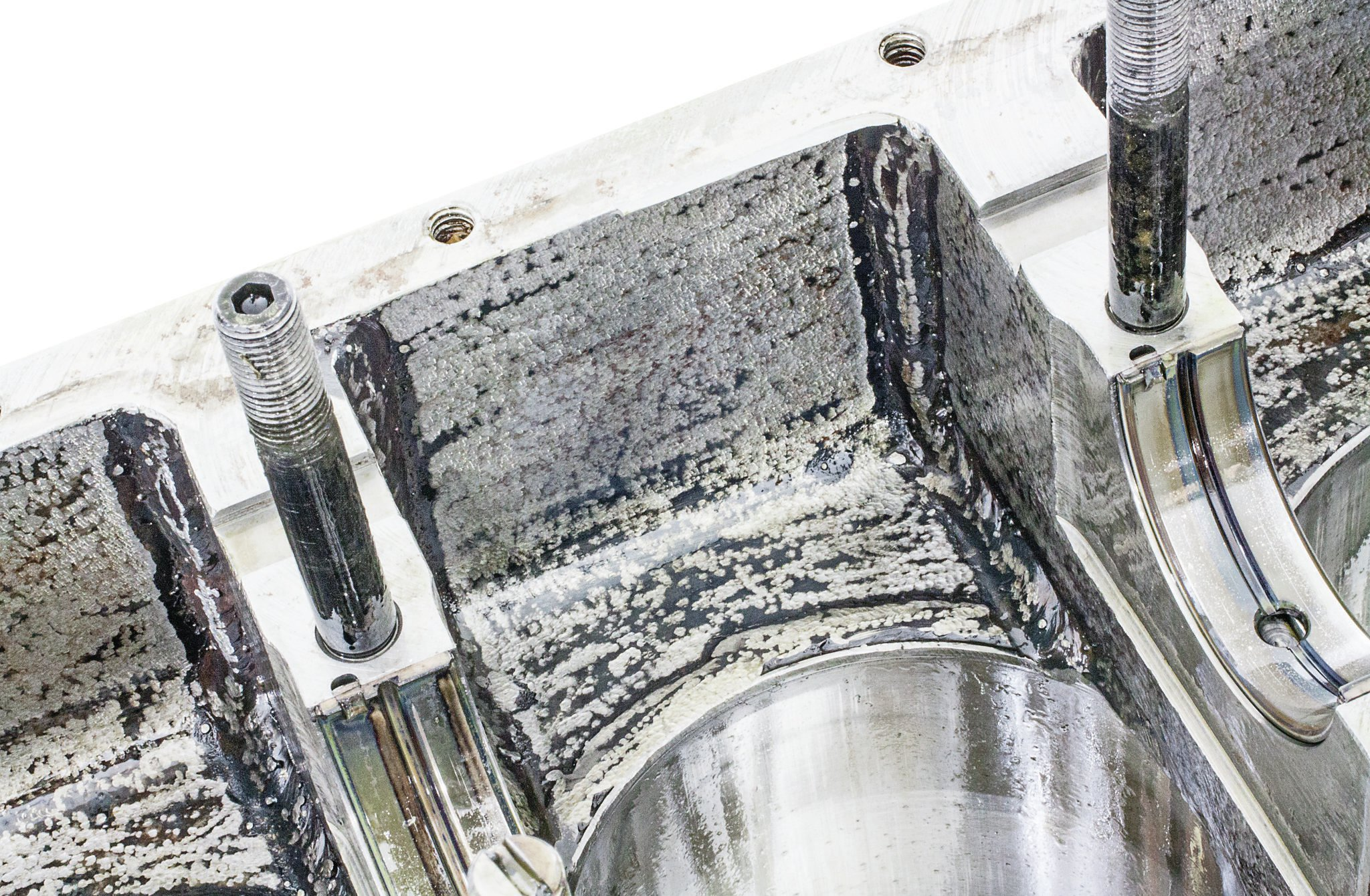 Scott Goetz did the sanitary MIG-welding. Here, the U-channel has been joined to the thick plate sections that form the main webs' upper halves.