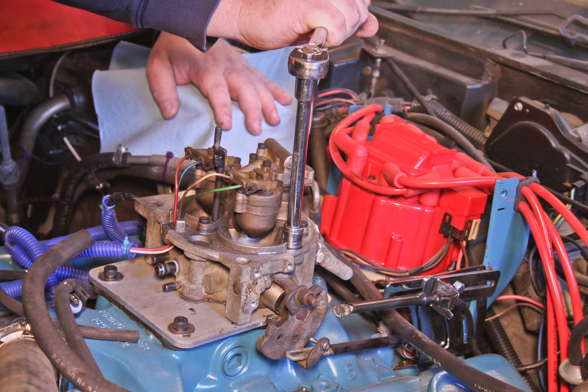 A Homemade Tbi Conversion For 904 Hot Rod Network Wiring Harness The Unit Used Project Is Simply Salvage Yard Part Scavenged From Any Of Millions Gm Trucks Built Mid 1980s Through