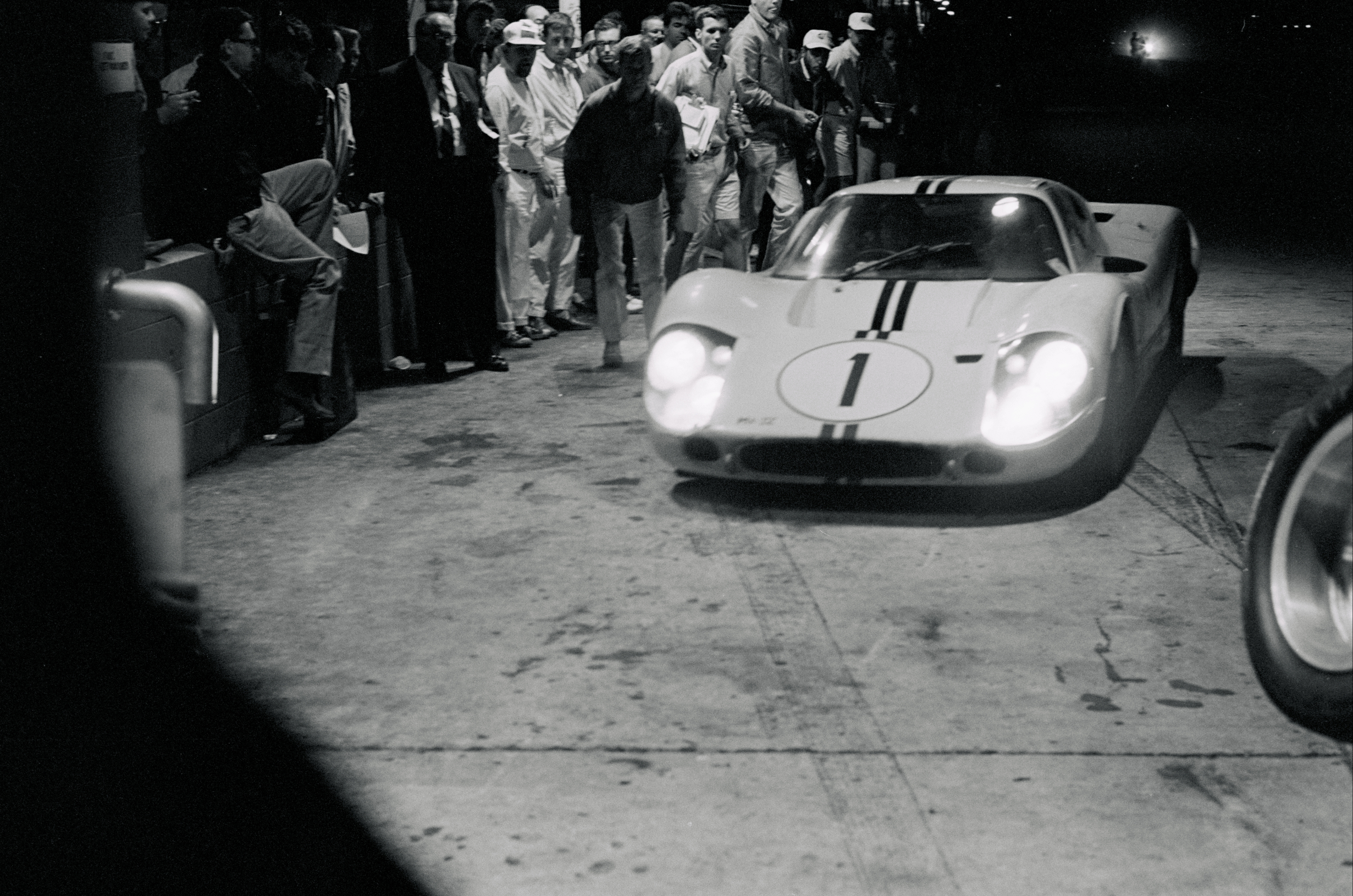 After an embarrassing loss at the 24 Hours of Daytona in 1967, Ford came back strong for the next race at Sebring with the newer Mark IV version of the GT40. The winning Mark IV driven by Mario Andretti and Bruce McLaren.
