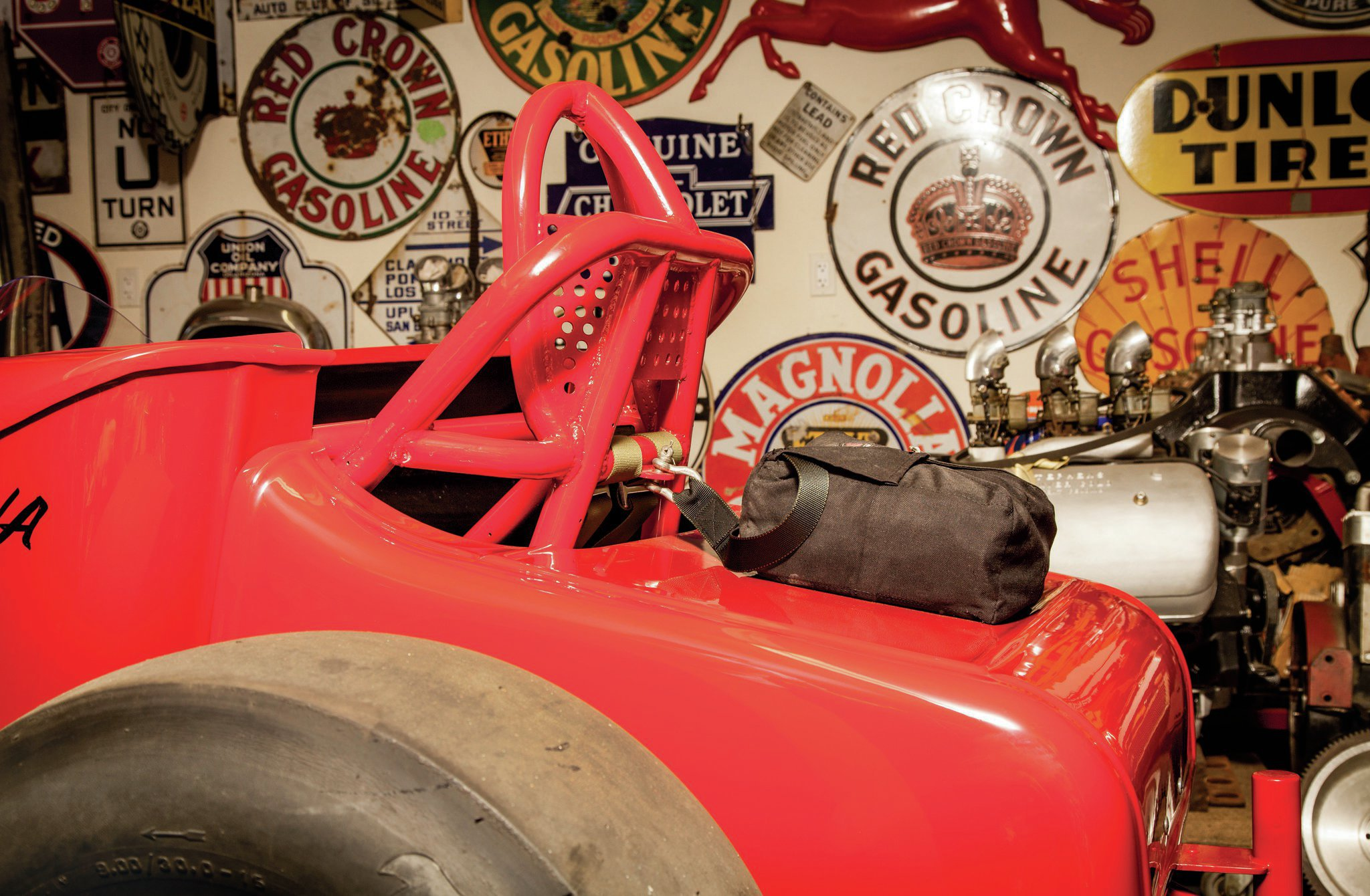 The original T tub was long gone, but Richard Lux had a vintage fiberglass T body to bring to the project. Only the tail section is modern.