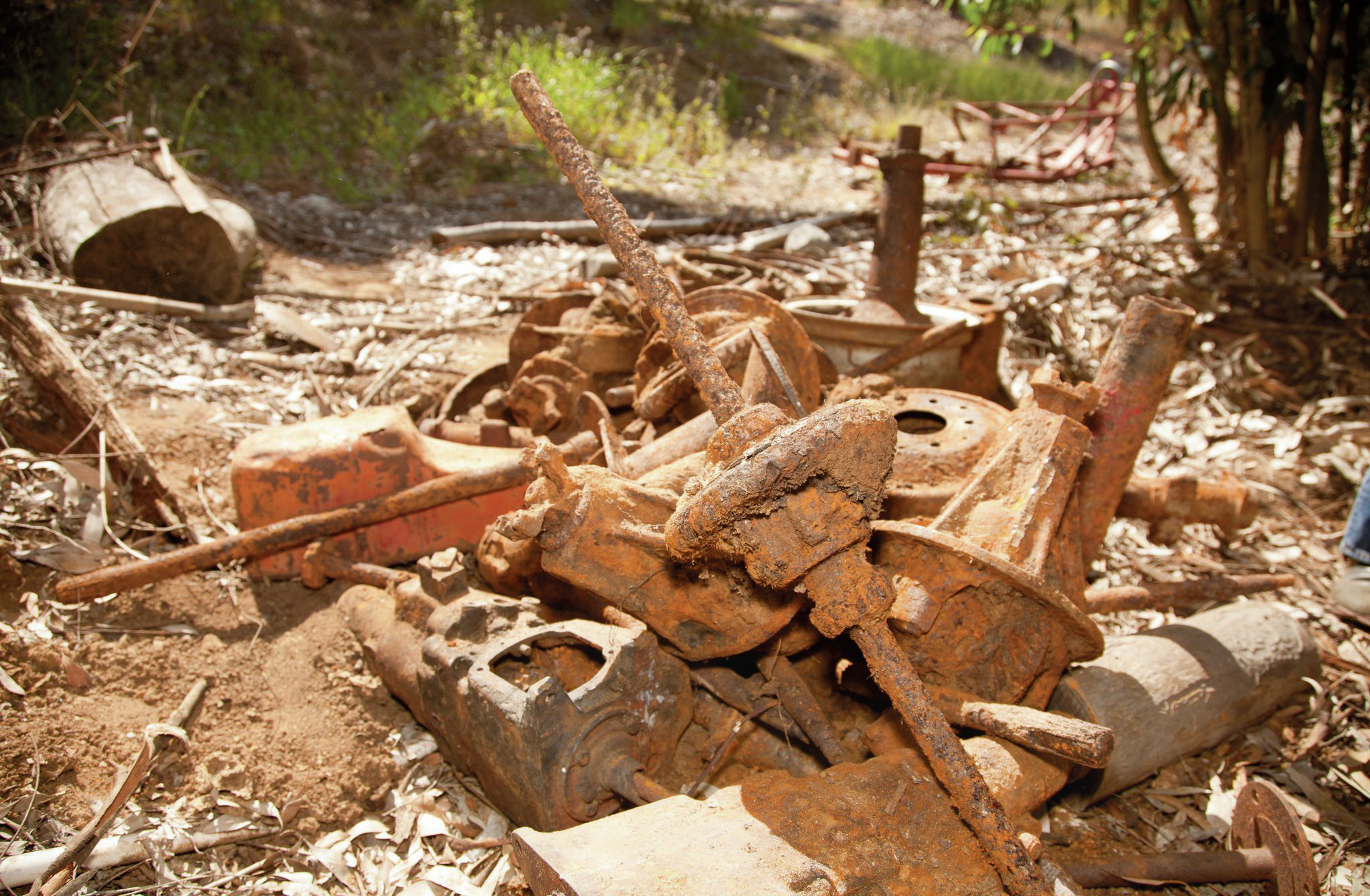 The remains of the altered were found at Nolan White's home a couple of years ago. These chassis and driveline pieces were kept outside, while the engine and its components were a little more carefully stored in the garage. Remarkably, many of these pieces were able to be refurbished and reused on the car.