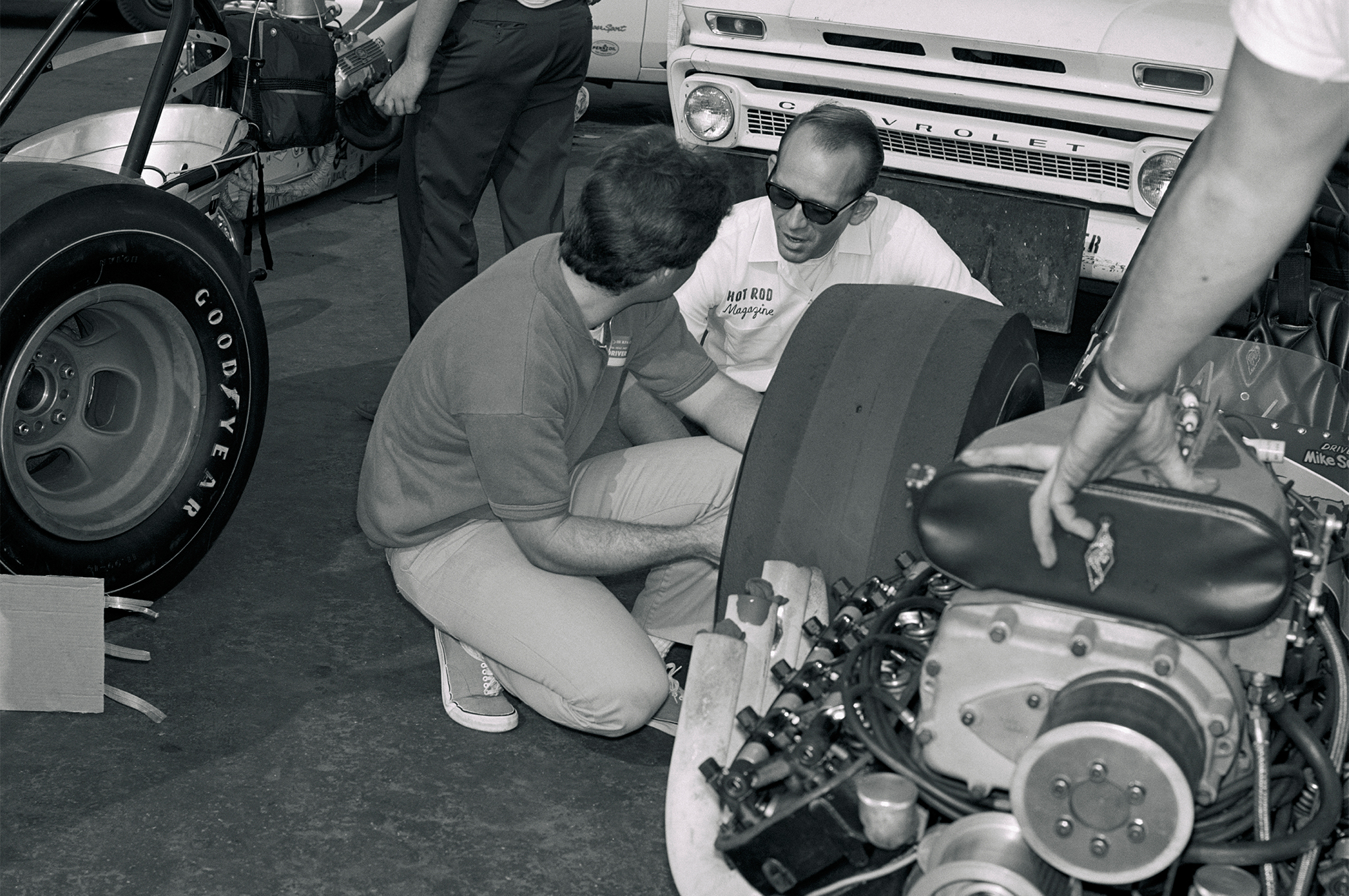 In November 1966, Jim stopped to chat with Mike Sorokin, whose 1967 death following a clutch explosion compelled McFarland to help Paul Schiefer develop safer slider clutches.