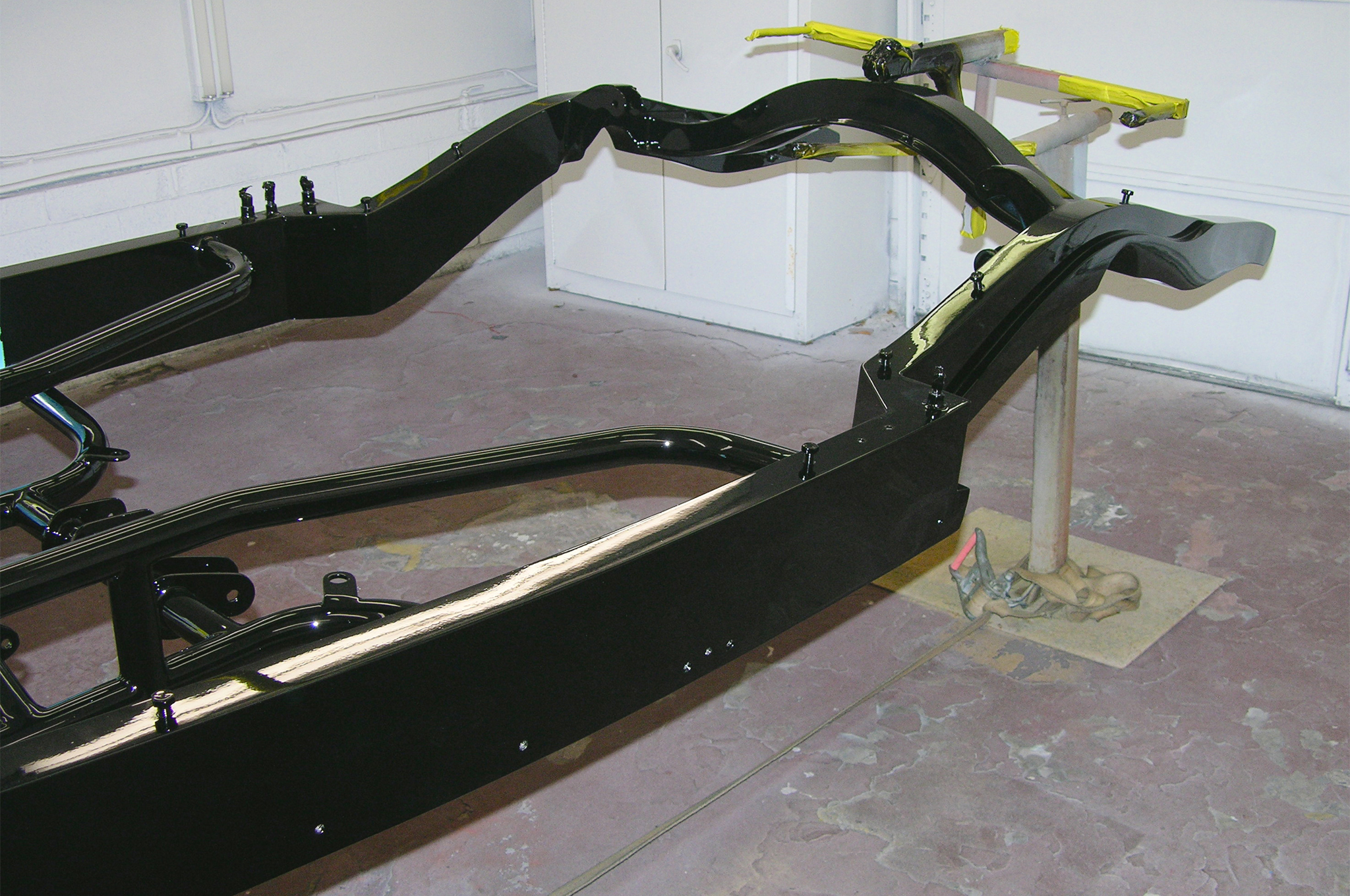 The chassis has been painted and is now ready for final assembly. There are a little more than two months to go before the 2015 Grand National Roadster Show in Pomona, California.