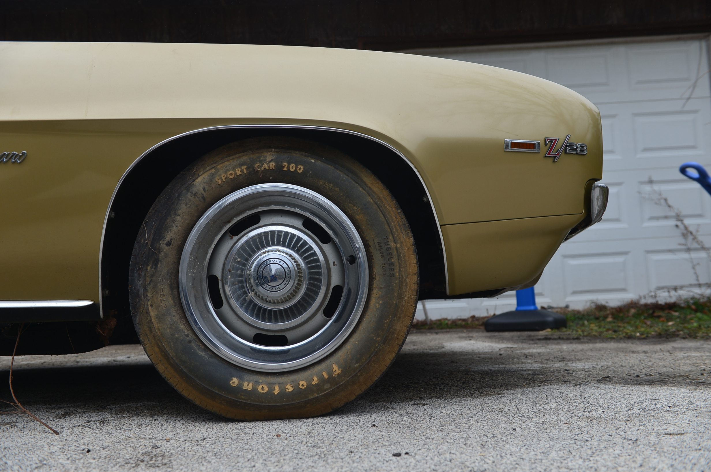 Leonard had the foresight to keep the original Sports Car 200 tires that were on the car when he took delivery in 1969.
