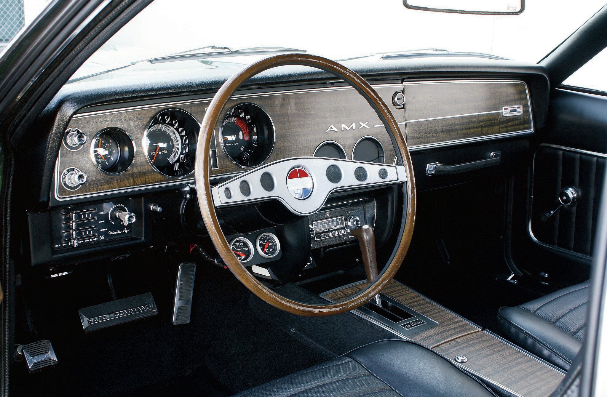 The two-spoke Rim-Blow wheel was new for 1970, which Tony had restored by The Rimblow Buddy in Glendale, Arizona.