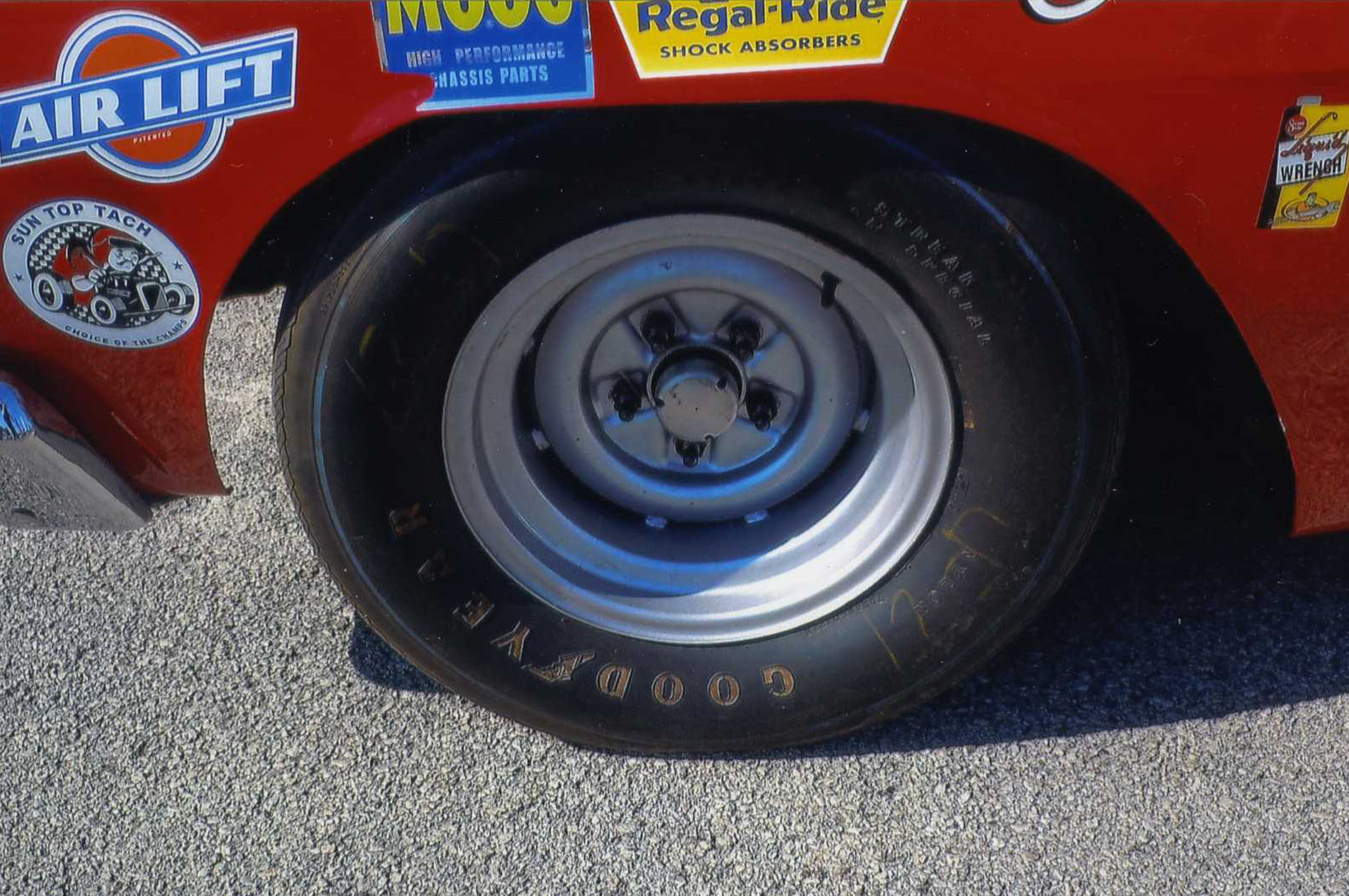 Holman and Moody 8.5-inch wheels support Goodyear racing tires.