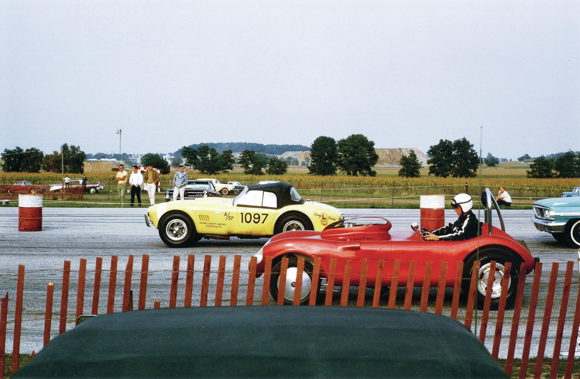 The Reimer Dragonsnake takes on an unknown competitor at York Drag-O-Way, in Thomasville, Pennsylvania.