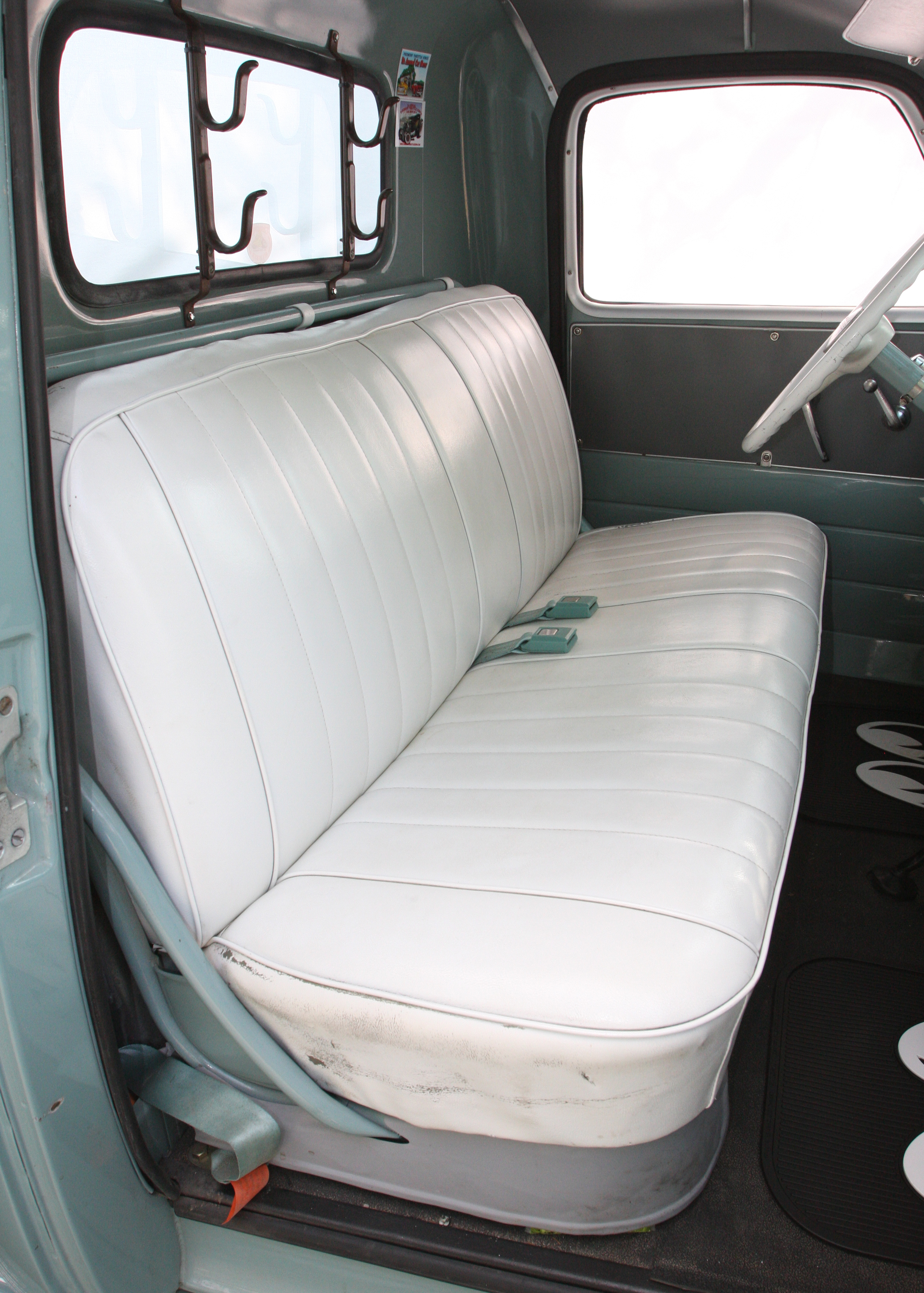 This 1949 Chevrolet 3100 Shows Us How To Keep It Simple