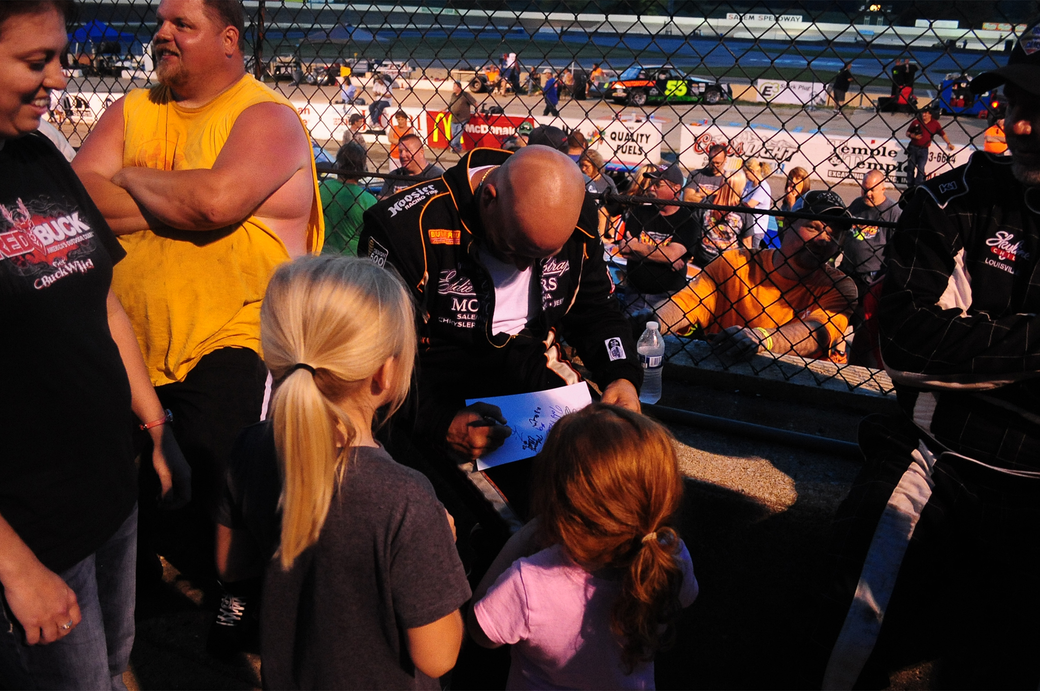 As part of that awards presentation, a drivers' autograph session was held in the main grandstand area with the cars lined up on the starting grid behind.