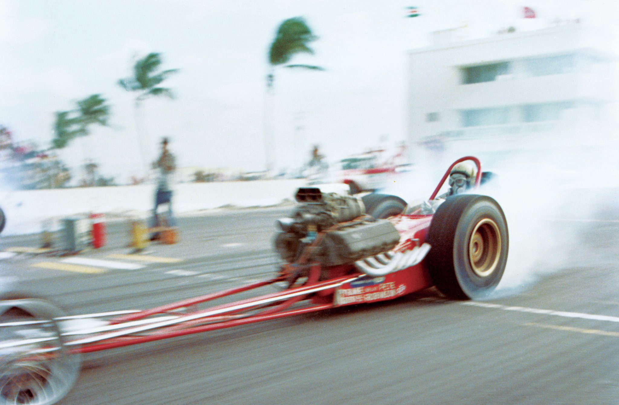 Pete's first SOHC 427 Ford was installed in a Woody Gilmore chassis (Tinker Toy Too), seen here at Miami-Hollywood Dragway in 1966. Pete and others were plagued with early bearing problems due to nitro fuel dilution of the oil. A high-volume, high-pressure oiling system by Milodon (originally developed for the 426 Hemi) solved this ailment for all SOHC Ford racers.