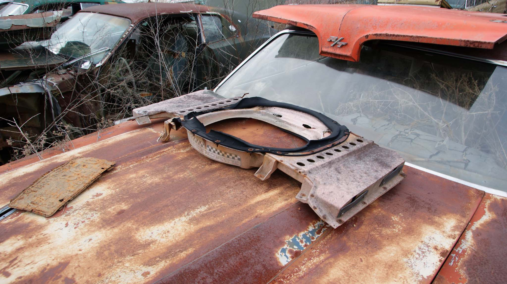 Not often you come across a near complete 1970 Coronet R/T Hood and Ram Charger air grabber setup just lying around.