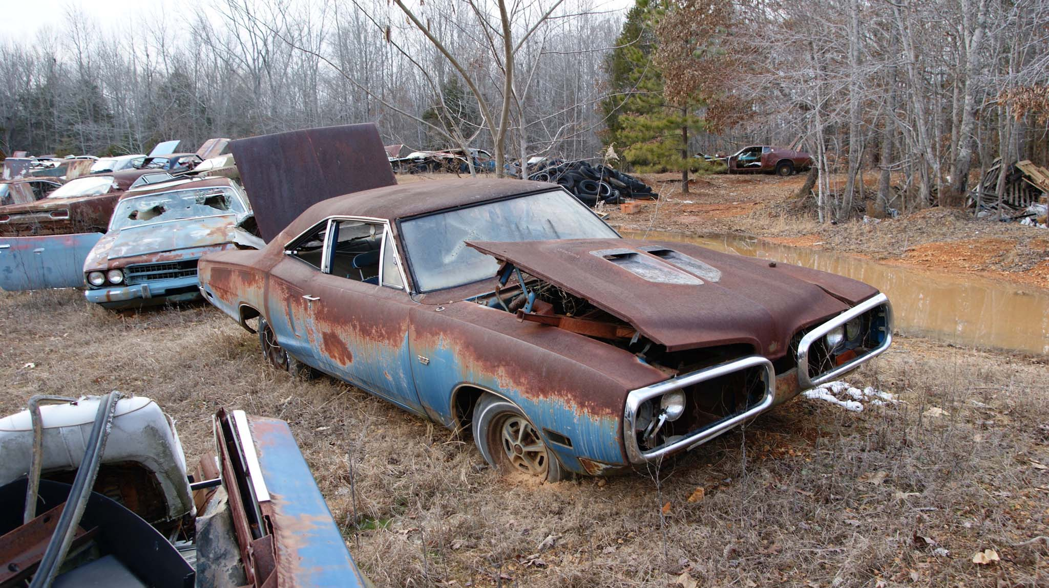 The roof is toast but otherwise this 1970 383 Super Bee is another somewhat useable car with amazing patina.