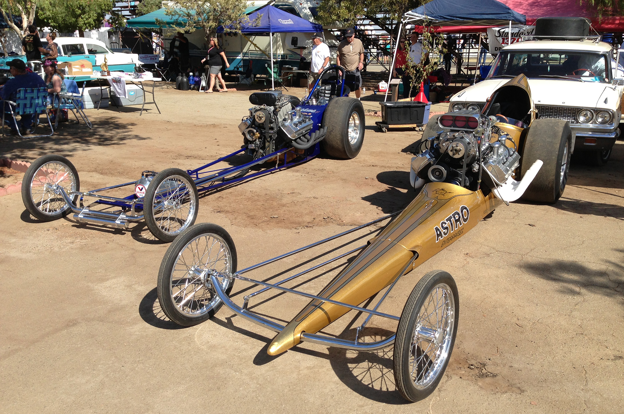 Front engine dragsters, as well as vintage Funny Cars, Gassers, and other nostalgic drag cars keep the excitement of old-time drag racing alive at Famoso Raceway in Bakersfield.