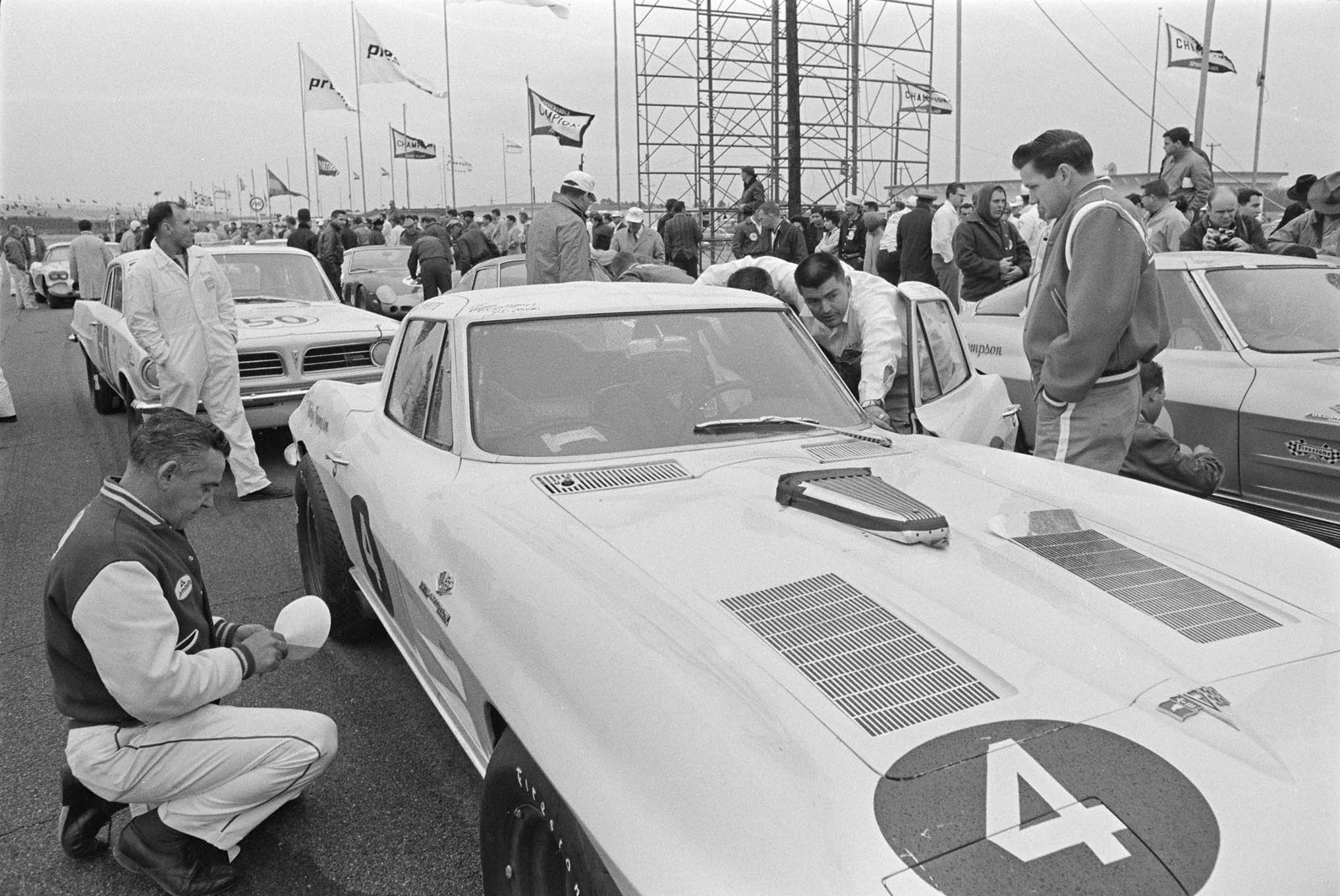 White's No. 4 car did have one thing Johnson and Krause's No. 3 didn't: a windshield wiper.