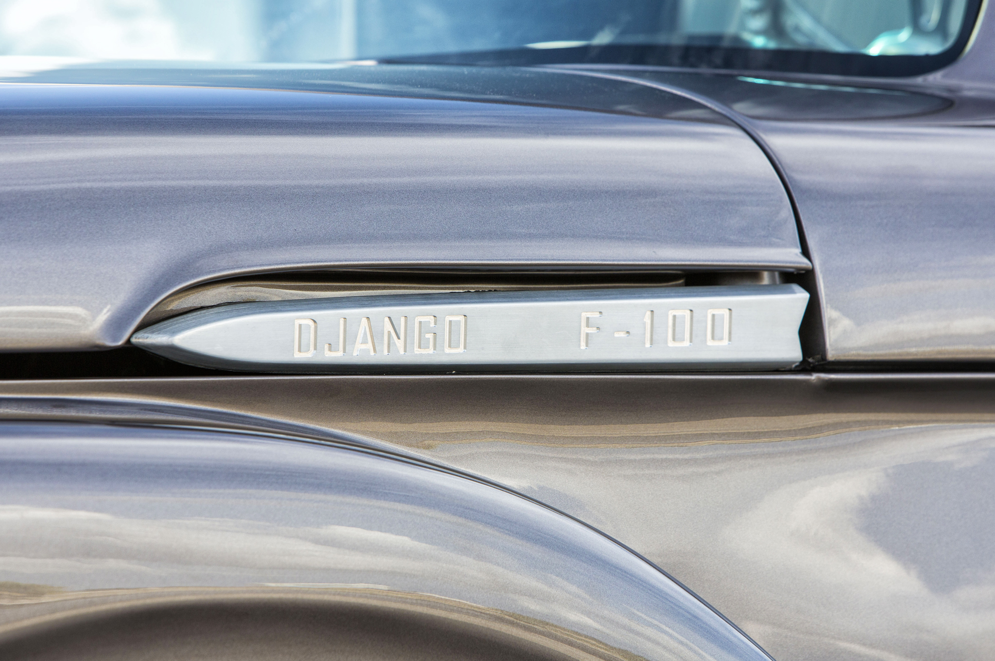 This reveal in the hood allows for a Super Duty–inspired custom emblem.