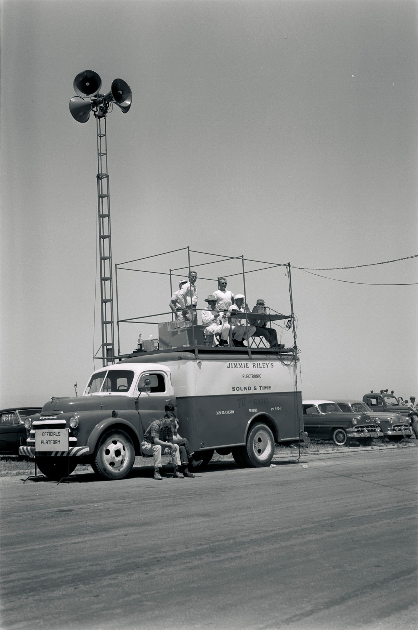 Behold state-of-the-art 1956 electronics. Jimmie Riley, a Fresno TV/radio technician, rolled into Madera (shown) and other temporary Central Valley tracks with complete timing and public-address systems.