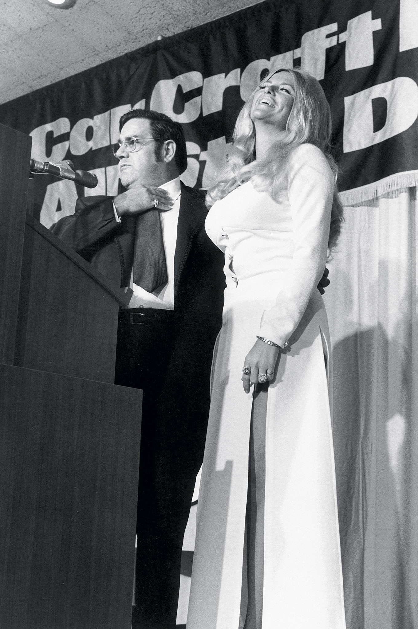 In a lighter moment, All-Star banquet emcee Lou Baney jokes with the inimitable Linda Vaughn. Baney, a Southern California drag racing icon, would later head up SEMA. He was presented with the Ollie Award in 1972, while Ms. Vaughn accepted hers in 1980.