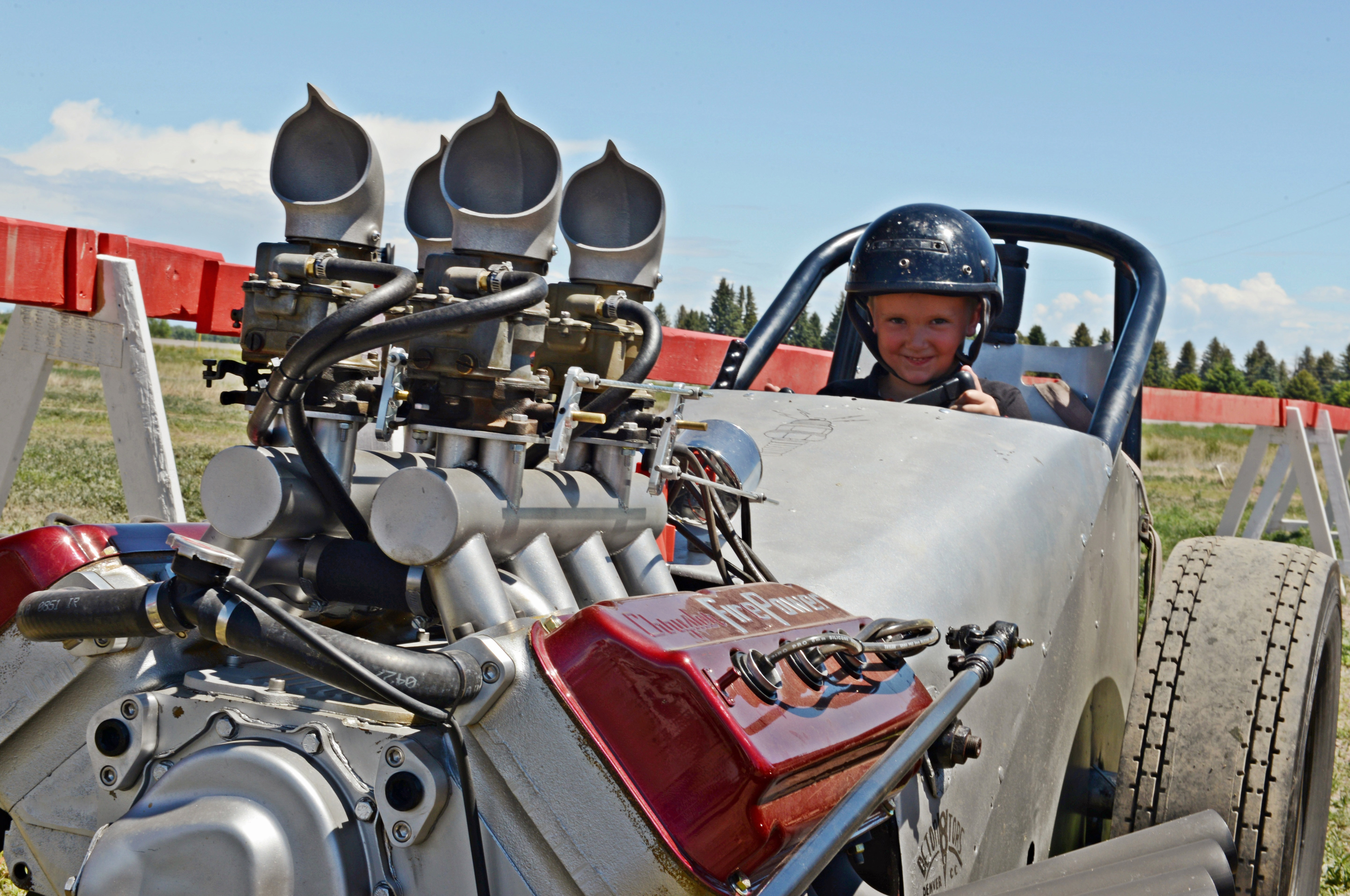 The Deton8tors Car Club (Tom Hardy, RJ Barnes, Clint Glasgow, Ed Gallagher) out of Denver brought this vintage Hemi-powered FED to the event. It's an original chassis, raced on the East Coast. In just three weeks they put it together for the HRDD, and it did not disappoint.