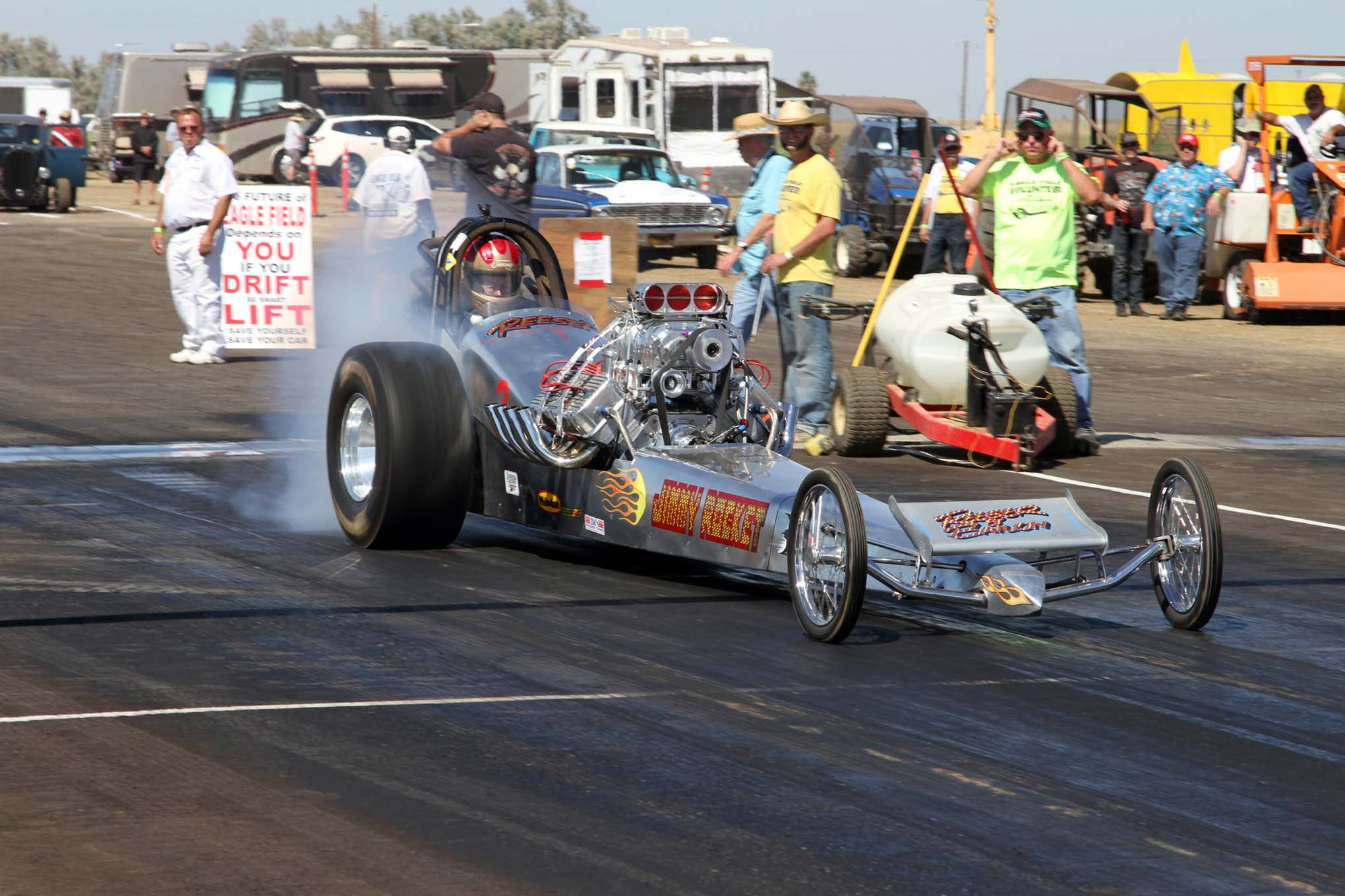 Last year at Eagle Field, Jimmy Reeser's injected 392 Hemi blew up in his dragster, in a big way, by shooting a couple of connecting rods out the side of the block. To fix the problem, he did what many racers do in that situation—he built a new motor that's bigger and better by adding a 6-71 blower and injection to the new 392 Hemi in his dragster.