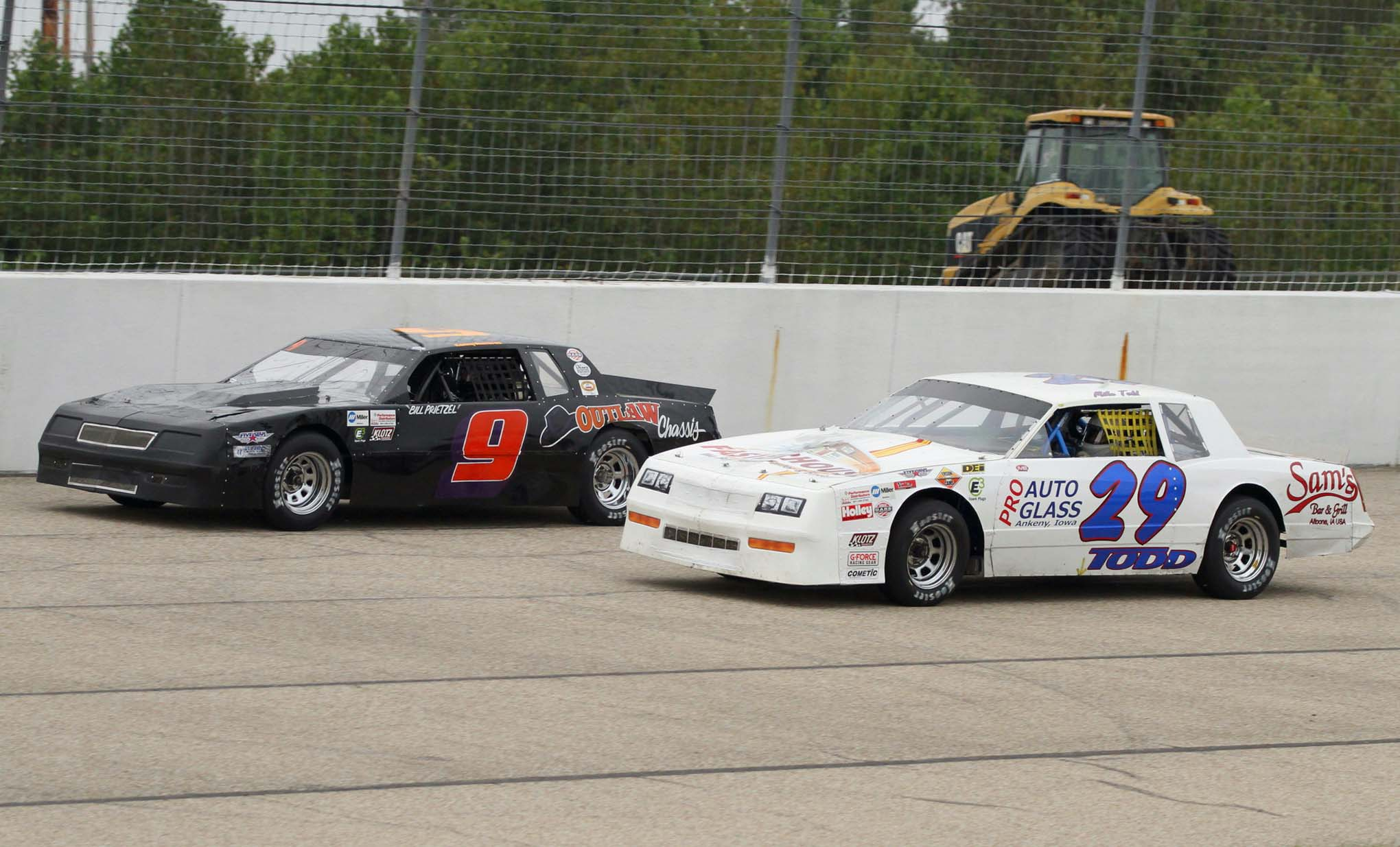 Veteran and Champion Racer Bill Prietzel battles with Mike Todd during the qualifying heat.