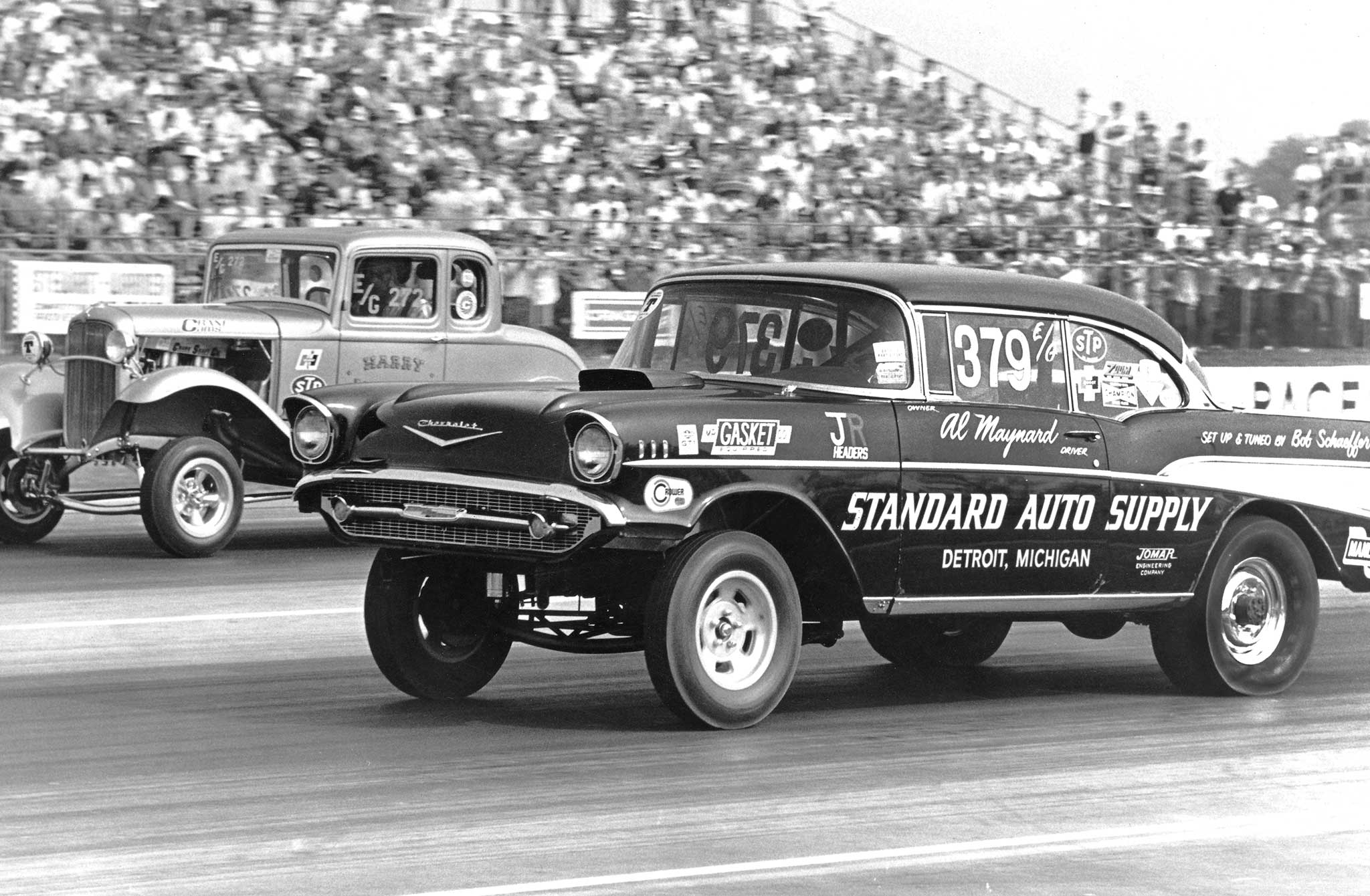 Al Maynard (1957 Chevy) and Harry Luzader (1932 Ford) staged this classic battle for Nationals E/Gas class honors. Despite Maynard's holeshot, Luzader took the win. Both cars featured a Hilborn-injected small-block and a four-speed transmission.