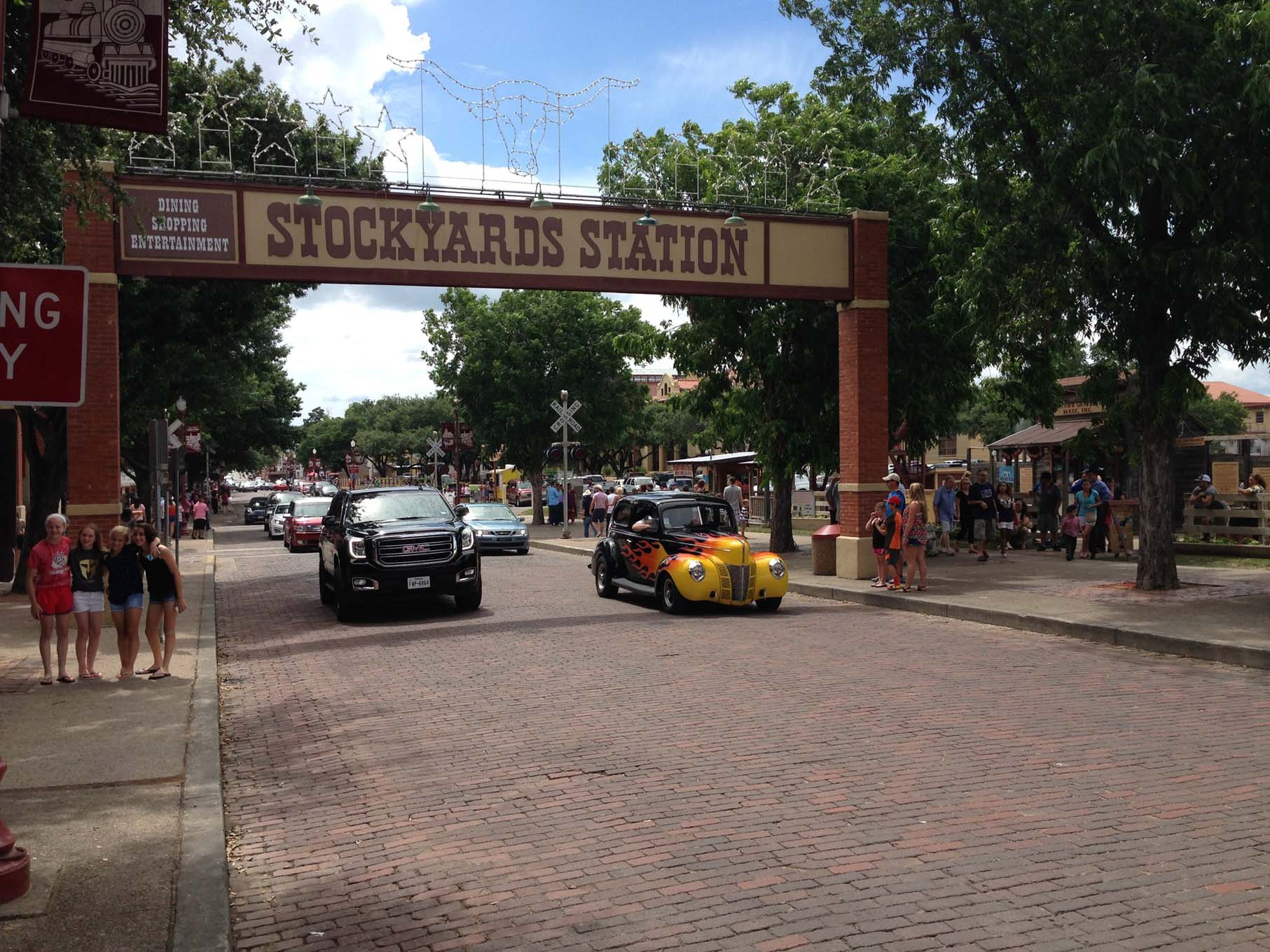 We visited the Fort Worth Stockyards on Sunday. The cattle drives in this area have been replaced by restaurants and shops. We brought some different horse power the afternoon we stopped.