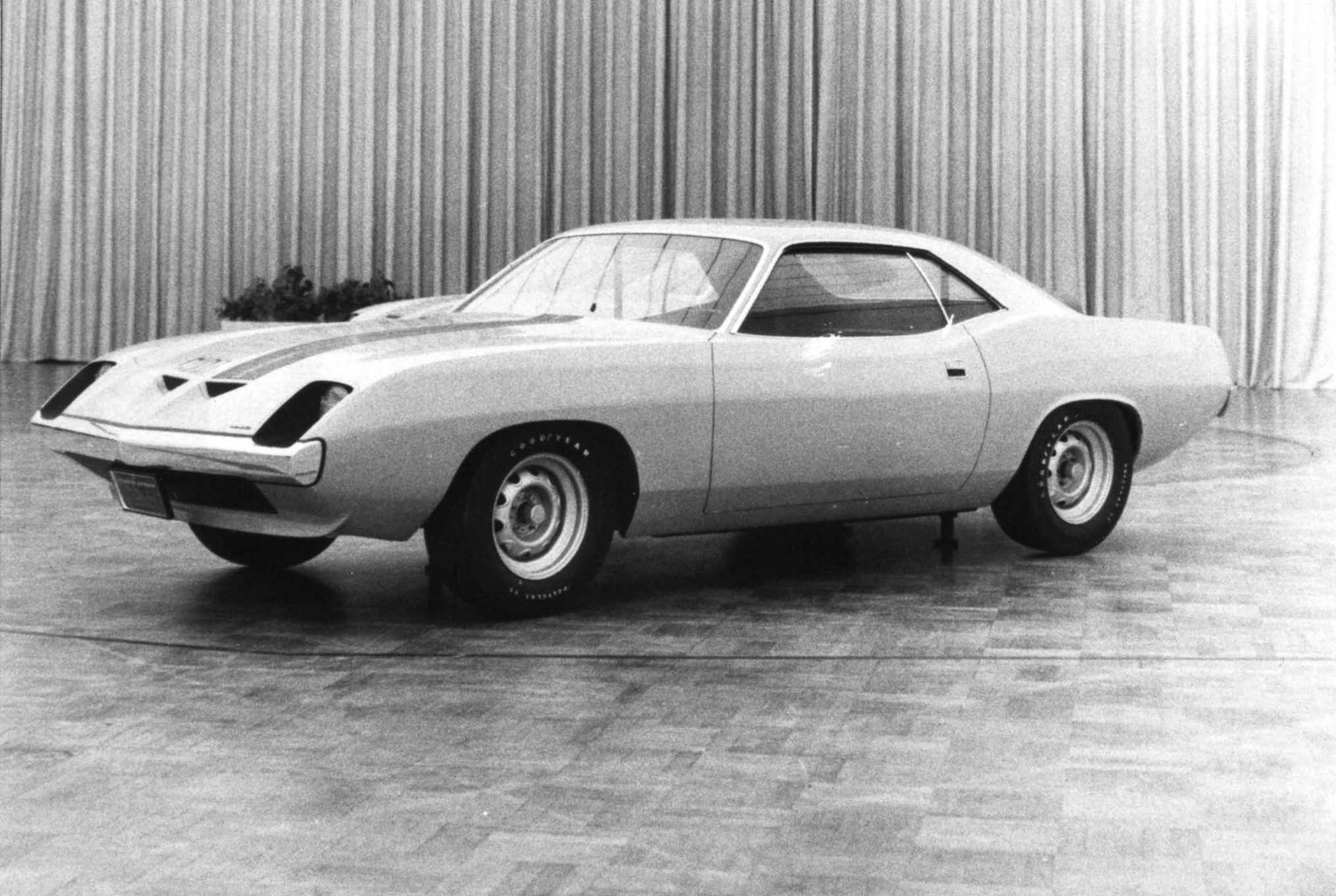 Here's the post-Cincinnati nose job. This photo was taken October 30, 1969, a few weeks after the disastrous showing in Cincinnati. Don Hood's aerodynamic front end has been grafted onto a 1974 Barracuda and the basic body would have been carried over. Note the chin spoiler and the overall resemblance to Ford's 1970 King Cobra Torino. This proposal was also rejected.