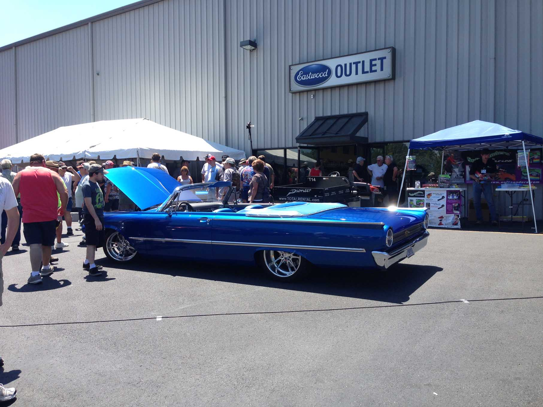 There was plenty to see and do all day for both spectators and participants. Tech seminars, product demonstrations, charity raffles, and doorprize giveaways kept everyone busy. The swap meet area was new this year. By awards time at 3 p.m. everyone agreed that it was by far the best Eastwood Summer Classic yet.