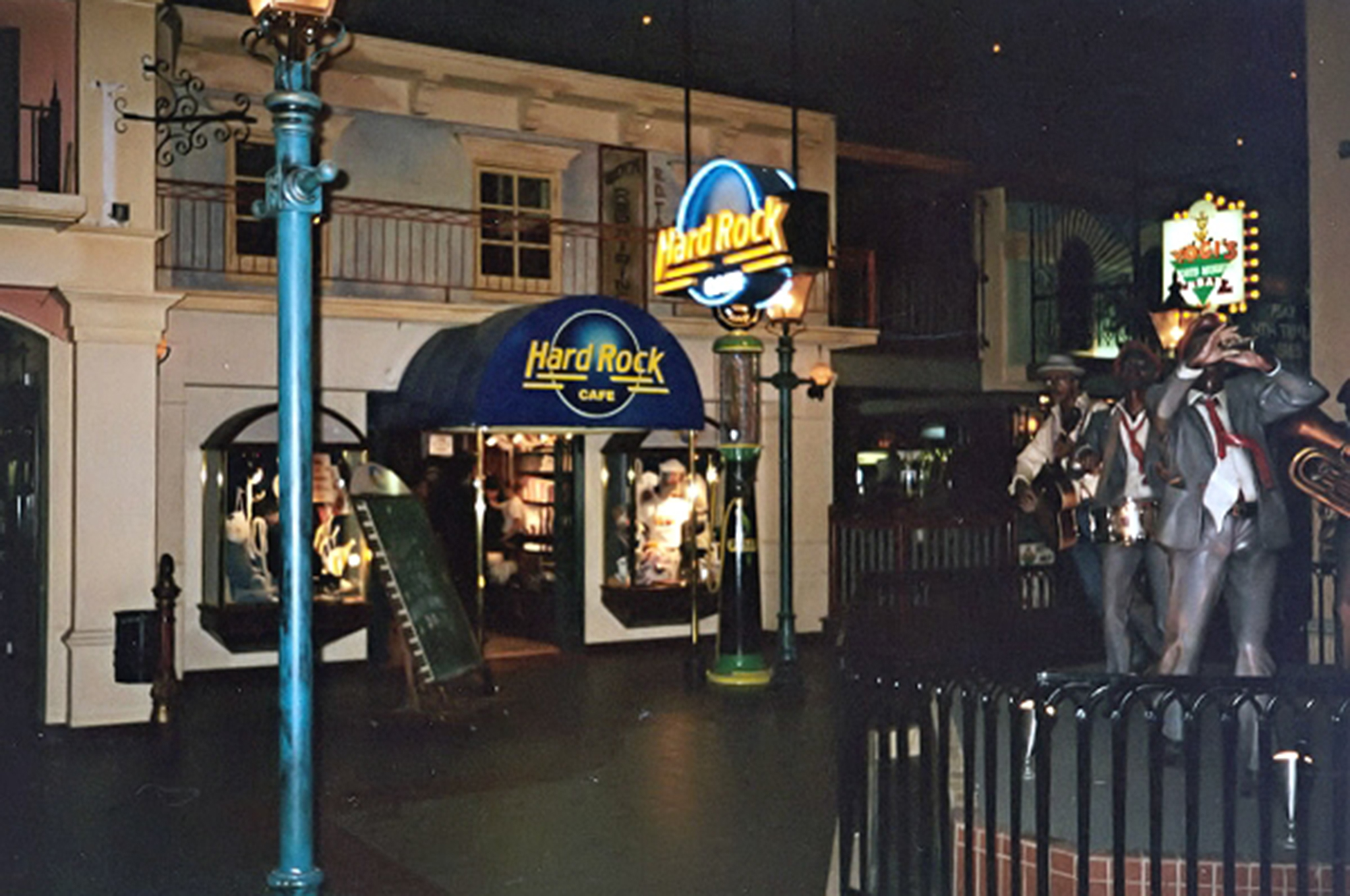 Christanson was able to find an old picture of the Hard Rock Cafe in the West Edmonton Mall. Now, he is looking for a photo of the '61 Vette on the wall.