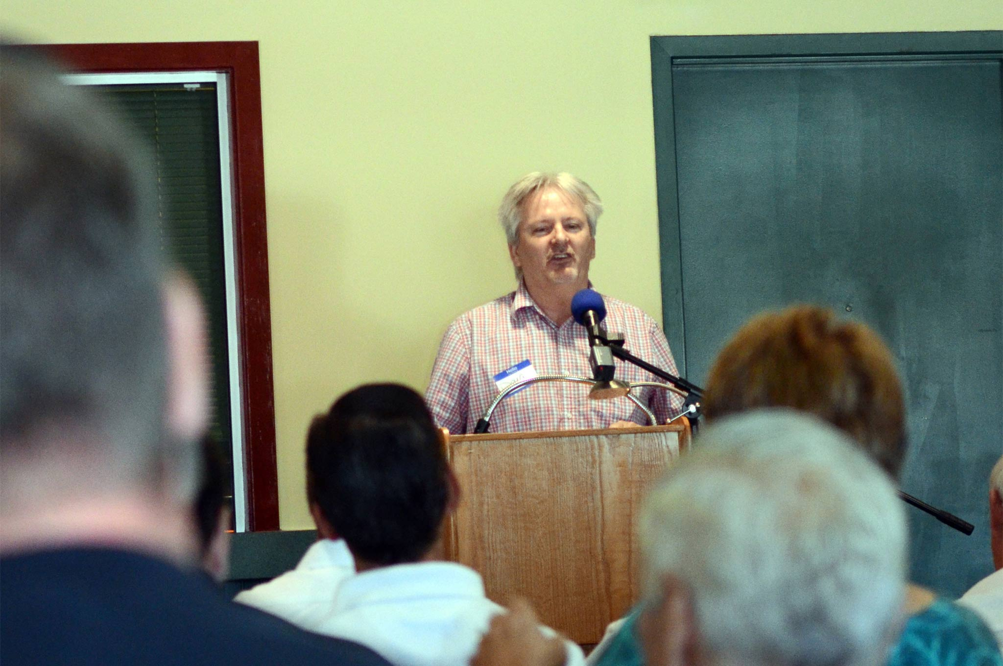 Author Doug Boyce, who wrote the book on Junior Stock, addresses the full house during Saturday's discussion.