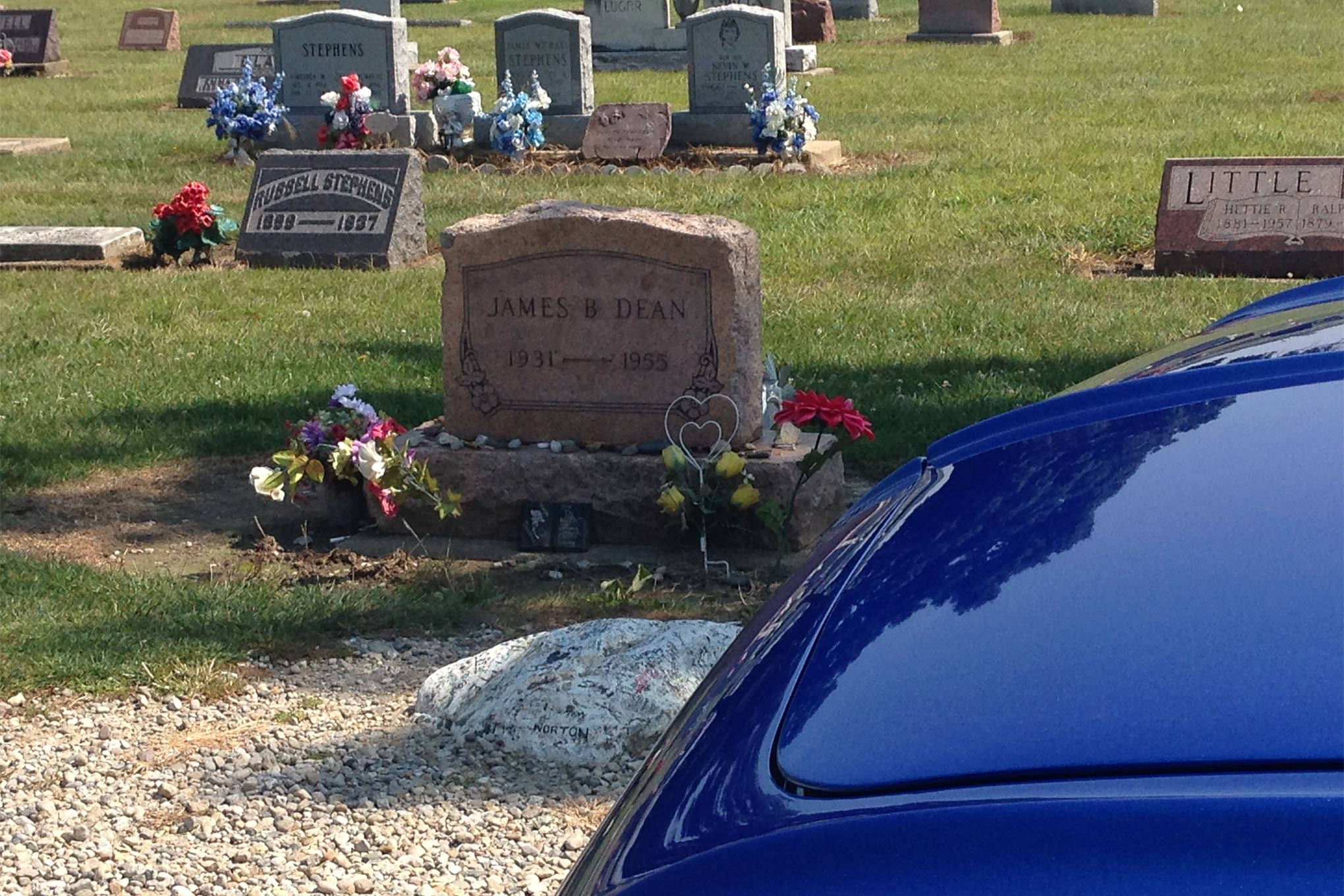 Some of the tour participants made a stop in Marion, IN, which is James Dean's hometown. We visited his old high school, the James Dean Museum, and his gravesite just outside of town.