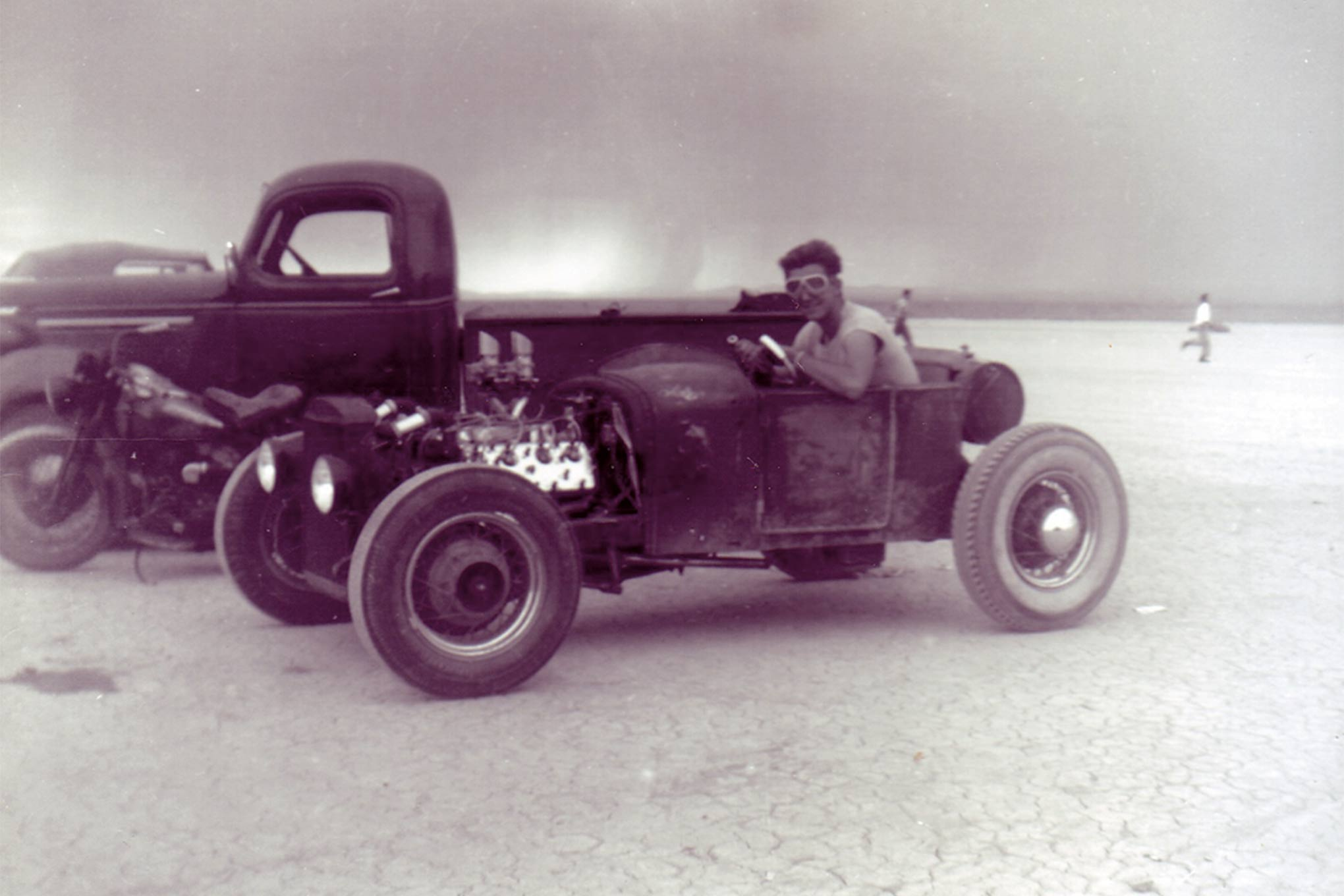 In his newly acquired roadster form Orr it was time to go to the dry lakes (note Dick wearing goggles!) These were both the early days of Dick's rodding career and the formative ones.