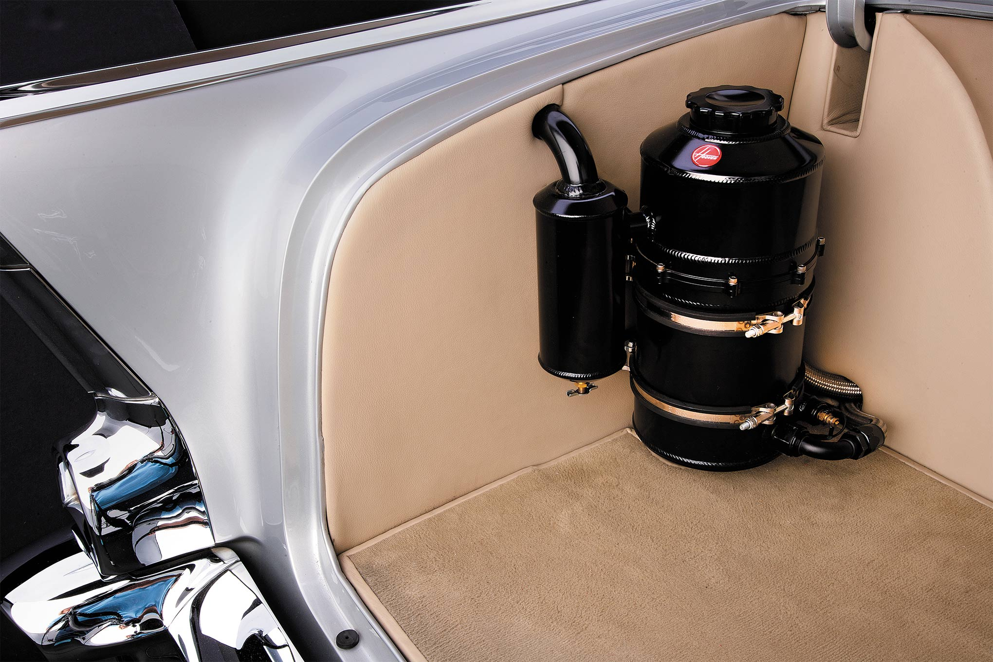 Tim worked with Moroso to develop a streetable dry sump oil system that's neatly packaged in the trunk (Peterson tank) that's filled with Red Line 10W40 motor oil.