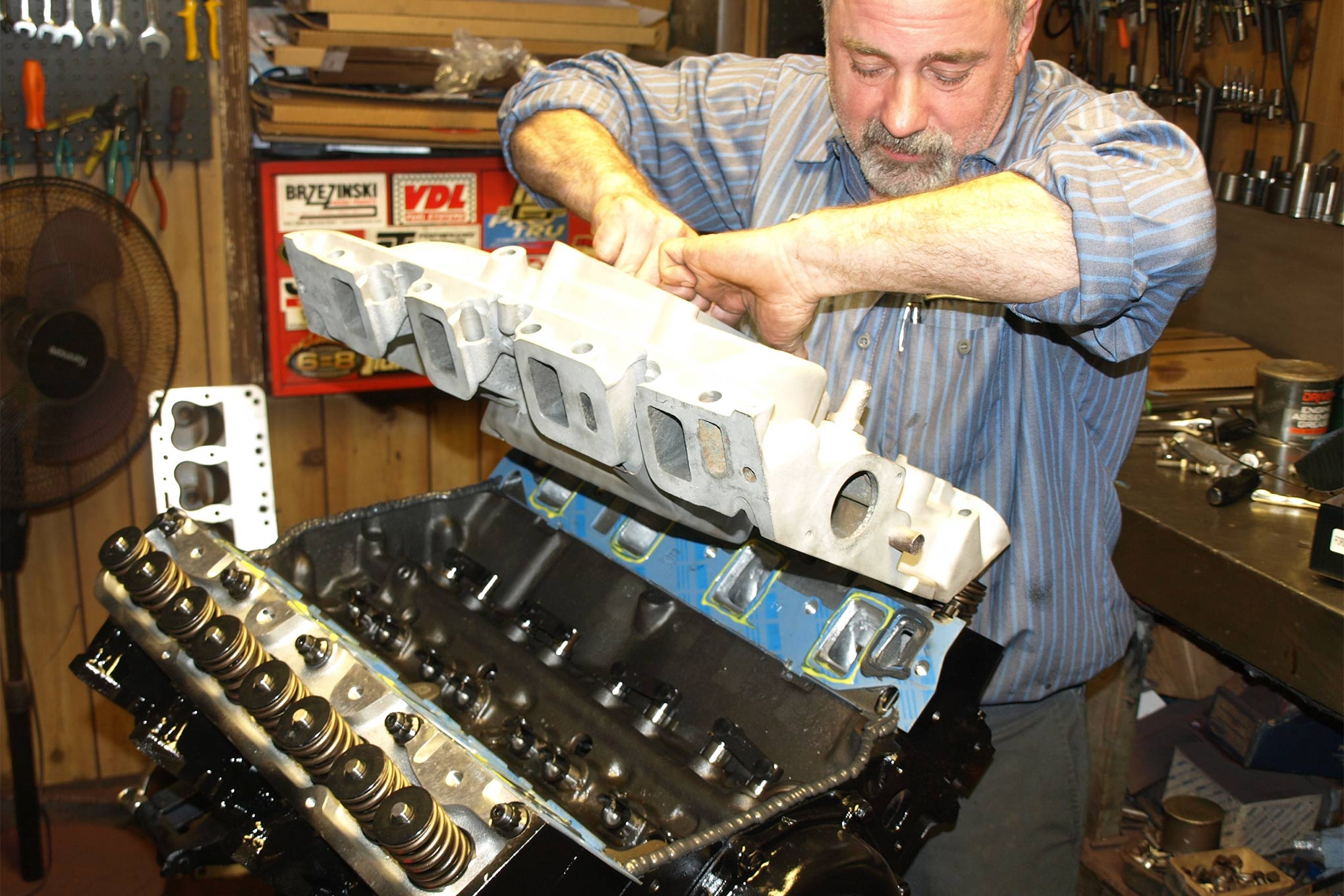 Though dual-quads are slated for installation at a later date, for now a vintage Ford C7AE9425-F 427 single four-barrel intake manifold is used. A Quick Fuel Technology BDQ-850 carburetor with mechanical secondaries meters the fuel. Jetting is 76/84 (primary/secondary). Seasoned FE builders may notice the lack of the lifter valley tray. See the next picture for the reason why.
