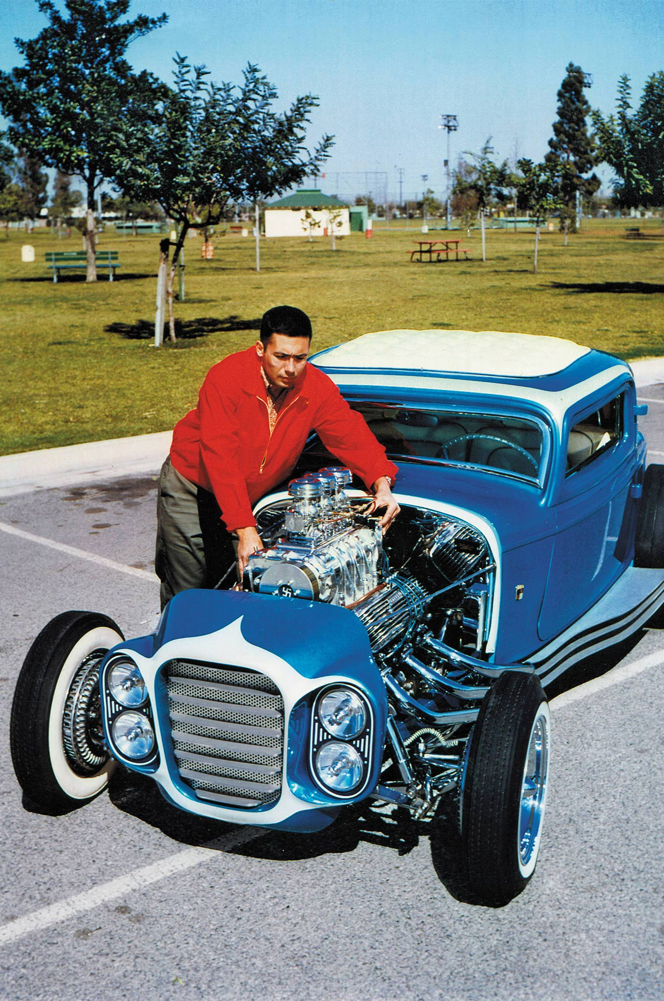 """Here's the most famous car ever to use Kinmont disc brakes. It's Clarence """"Chili"""" Catallo's '32 Ford three-window coupe, built by Catallo, along with Detroit's famous Alexander Brothers and George Barris. By 1961, when this cover appeared, Kinmont discs were long out of production. Then and now, they looked really cool. It was the Hot Rod magazine cover car in July 1961."""