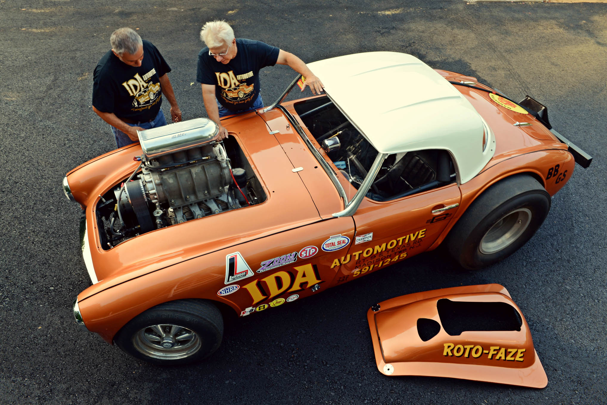 From the start, the Hemi Healy team has been a family affair. Bob's cousin, Vinny, was with him from the beginning, as a 14-year-old pit-crew member. Today, they are as close as ever.