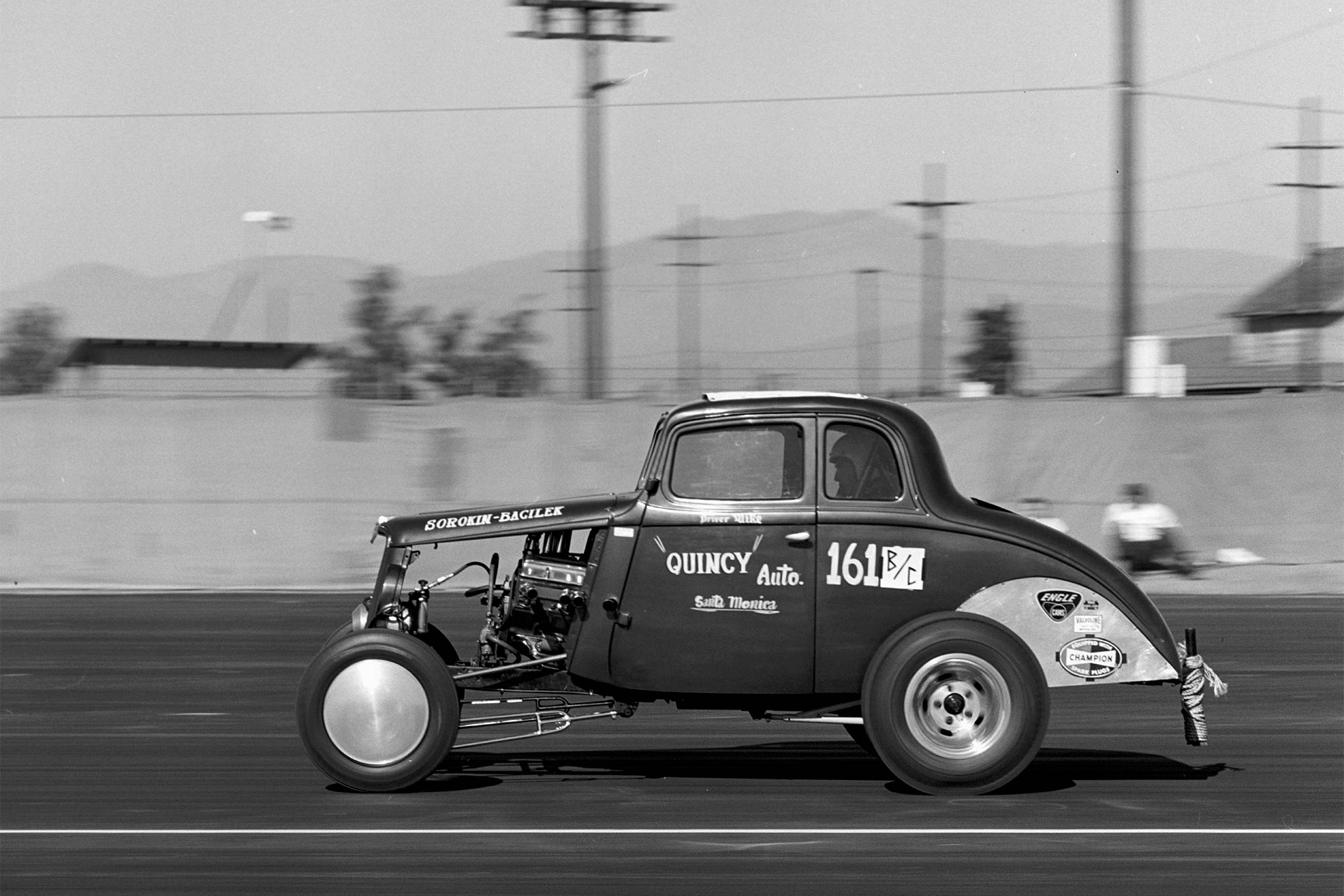 In B/Competition, the Sorokin, Bacilek, and Pistone 1936 Willys beat out the competition, even though it broke in the final round coasting to the finish. All three principals would go on to race for years, with Mike Sorokin becoming the driver of the infamous Surfers Top Fuel team in the mid-1960s.