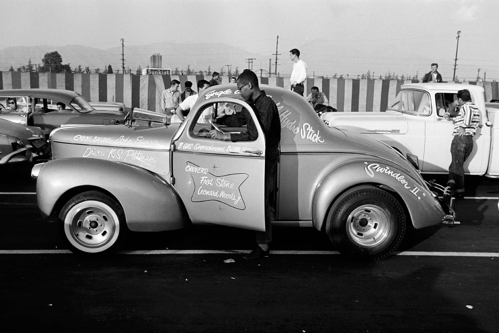 This is the Fred Stone and Leonard Woods B/Gas Willys driven by KS Pittman. This was pre-Stone Woods and Cook, but the Swindler II Gasser was a terror even back in 1961. It won B/Gas with a 126.93 mph at 11.22 seconds, which was a faster time than A/Gas!