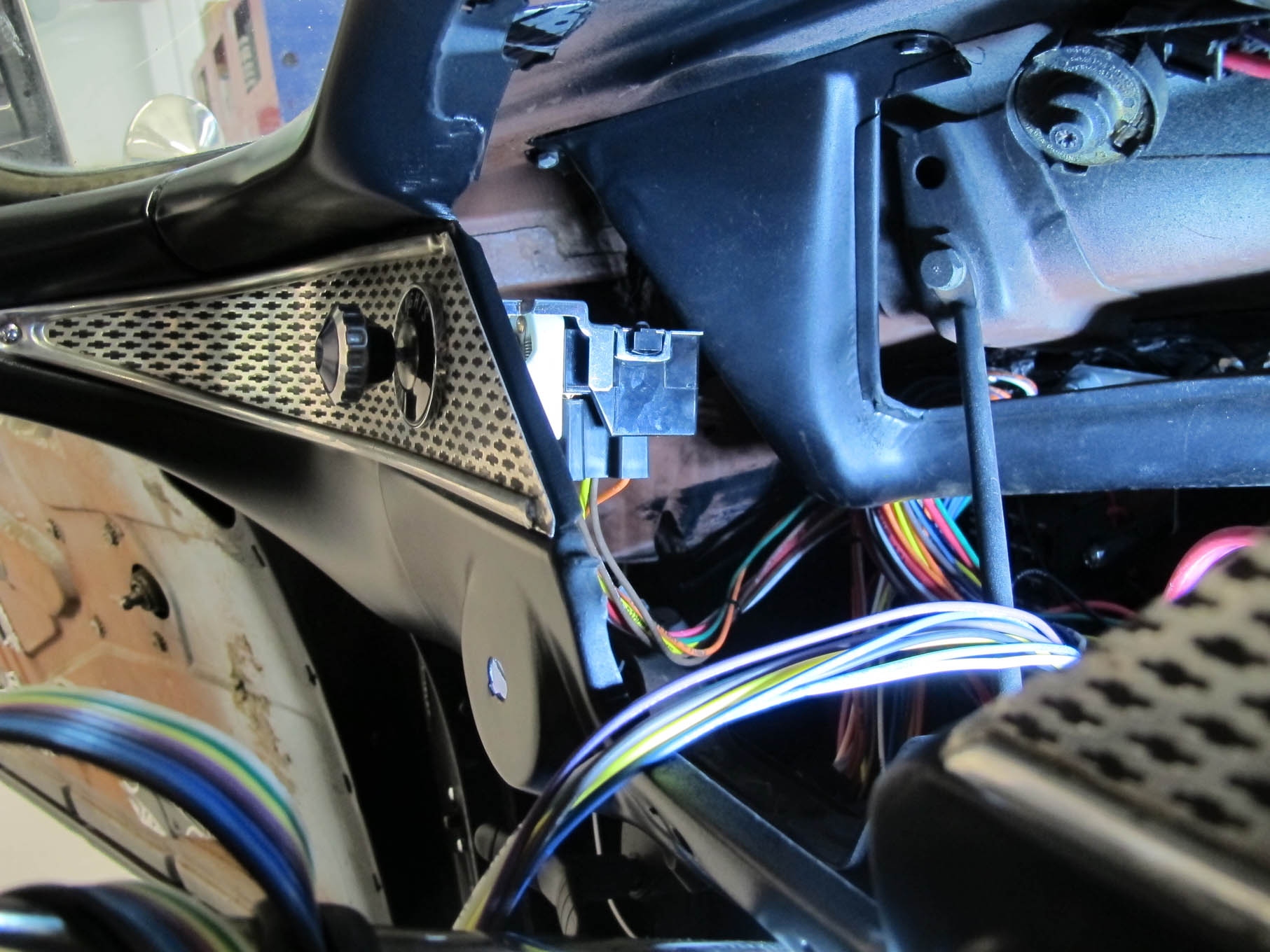Like the ignition switch, the harness simply plugs into the headlight switch.