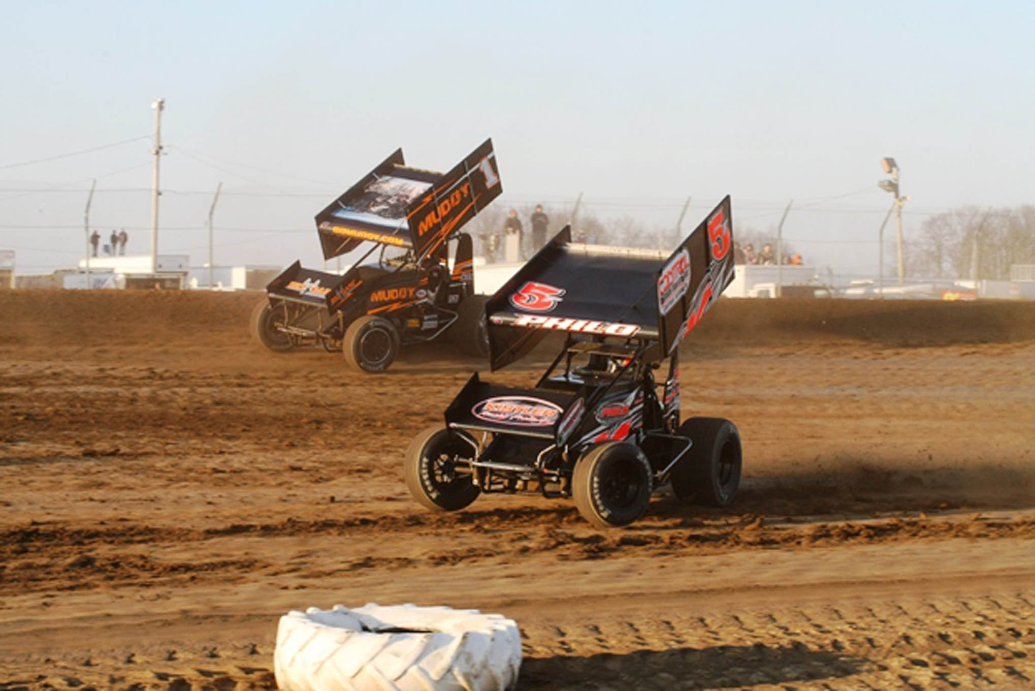 Blaney and Travis Philo (5) in Heat Race action.