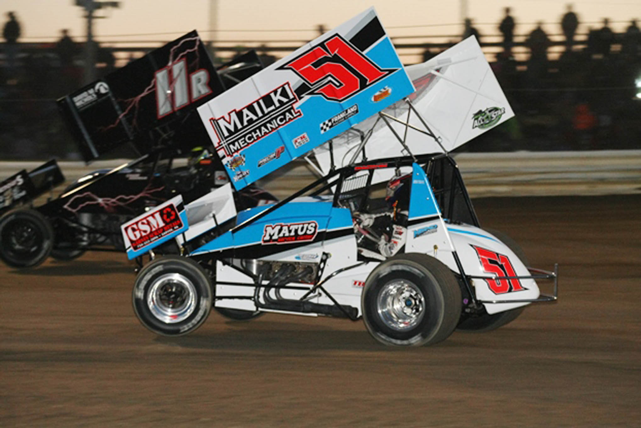 Johnny Garvin lifts the wheel in the B Main.