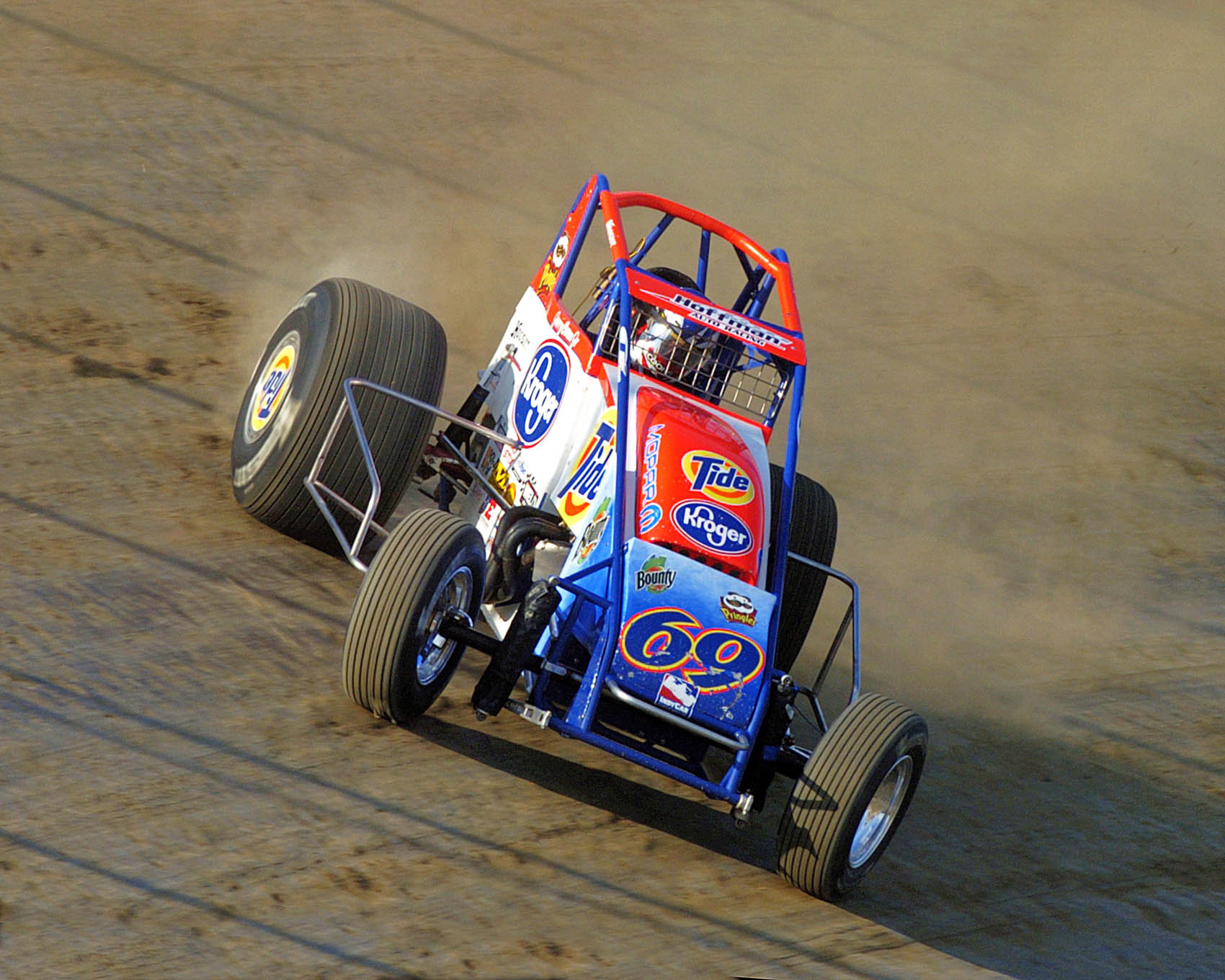 Jerry Coons Jr. at speed on the dirt in 2005.
