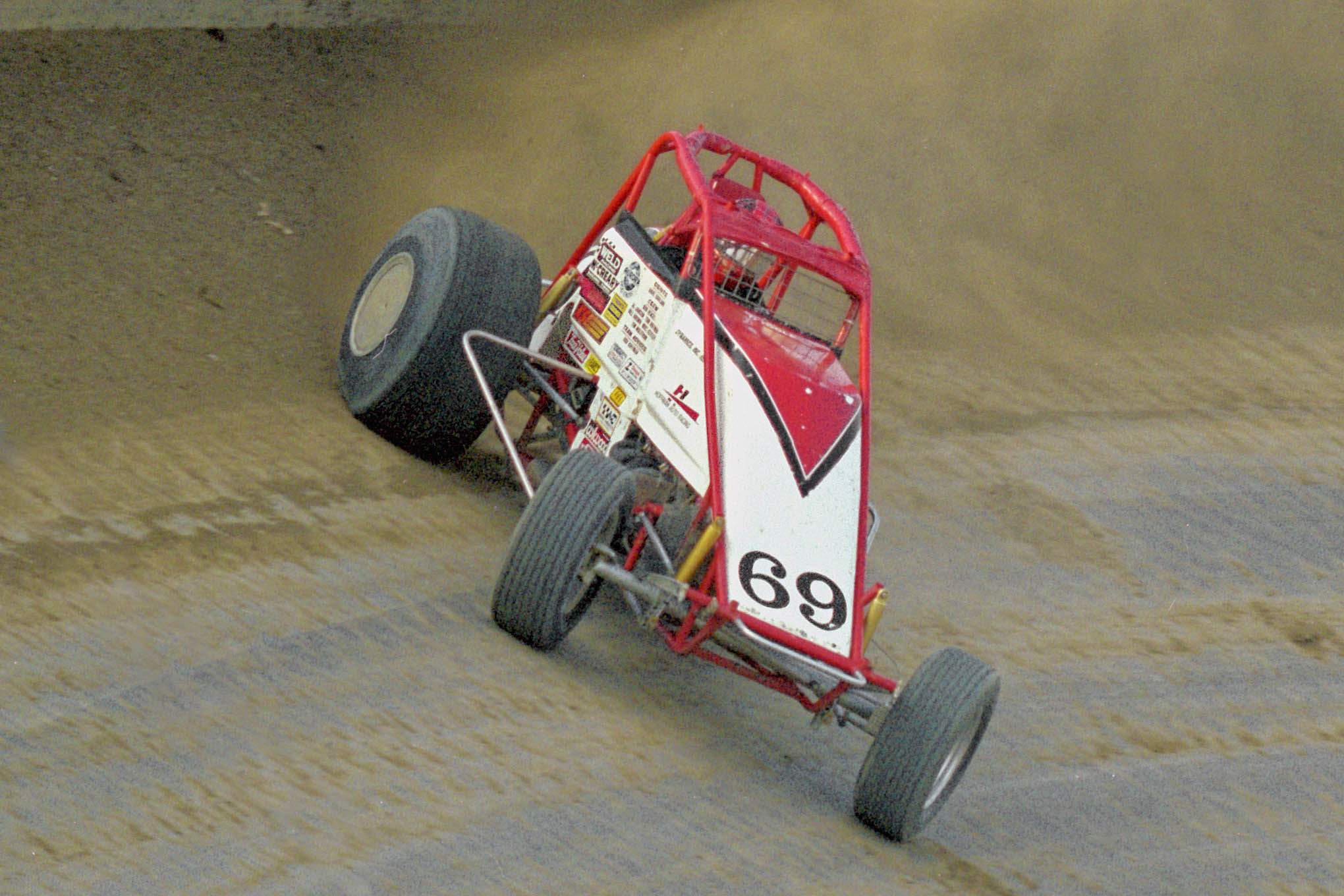 Dave Darland pours on the coal at  Eldora in 2009.