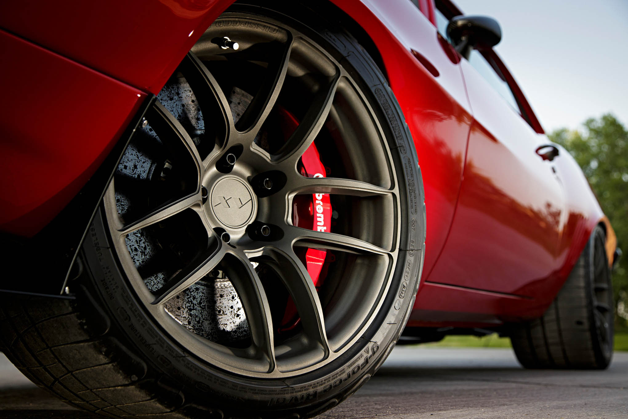 His work with Chevrolet in developing the Z/28 and ZR1 has led to the incorporation of Brembo carbon-ceramic brakes in his latest builds.