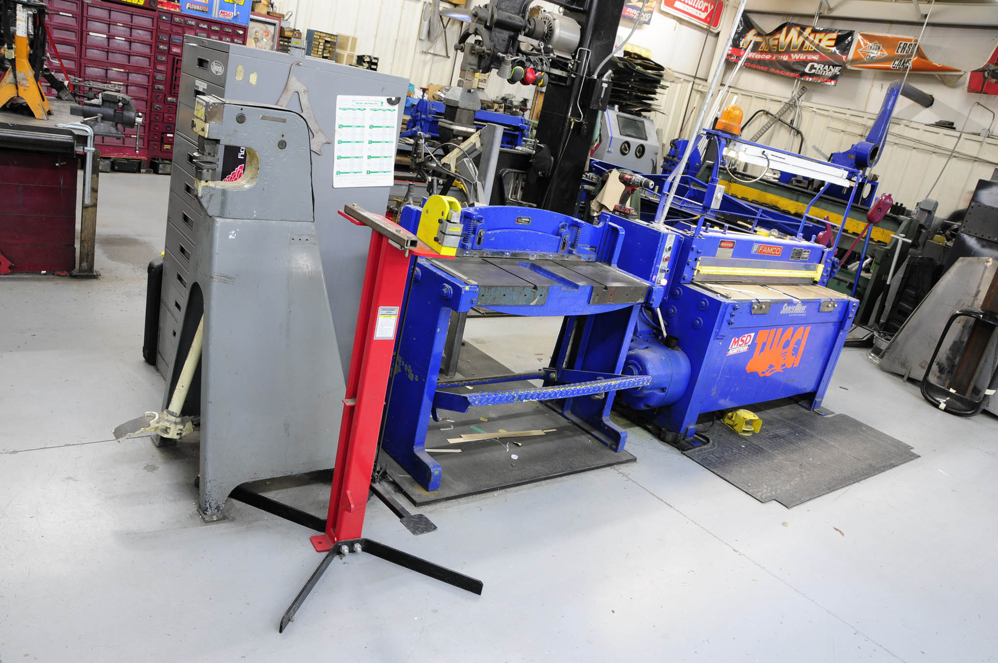 A Marchant kick shrinker completes the sheetmetal area.