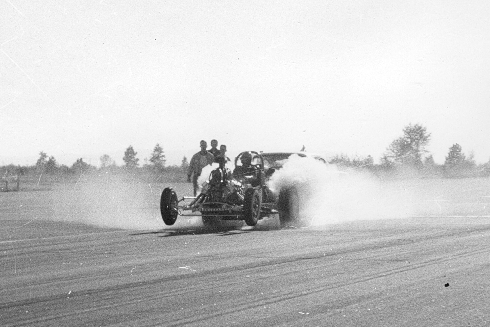 Bustle Bomb back at Deer Park. The neutral rear-wheel camber suggests that Scotty locked out, or at least limited, suspension travel.
