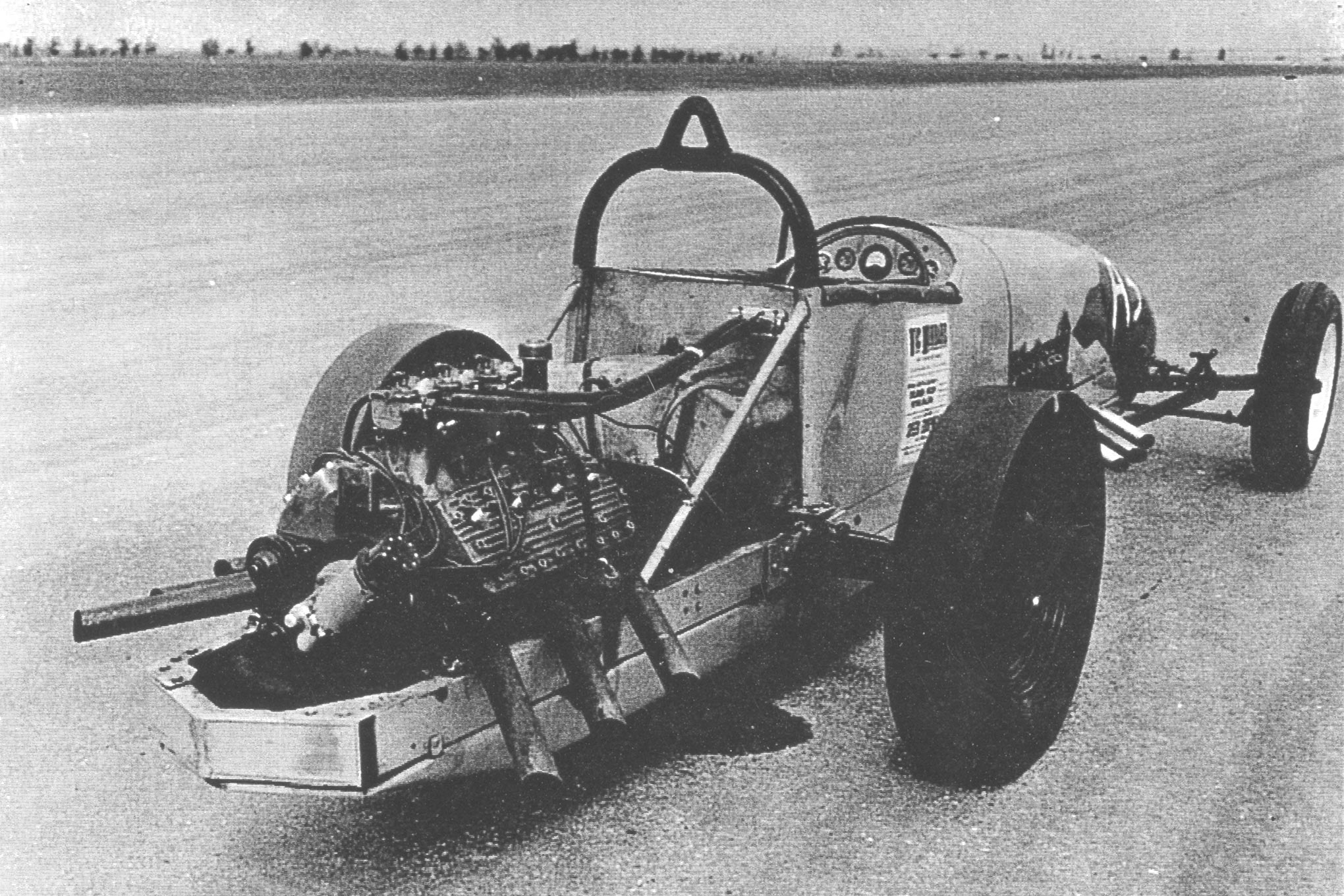 As mentioned earlier, Bustle Bomb inspired likely only one copy, the car that belonged to Emmett Cull. According to Ron Johnson, the San Leandro car initially ran a 12-port Chevy up front and a flathead in the rear and later with flatheads on both ends. Legend has it that he and Al Hubbard ran two Chevrolets on fuel into the high 160s in the very early 1960s. Photos of this car are exceedingly rare, but Scotty naturally had one.