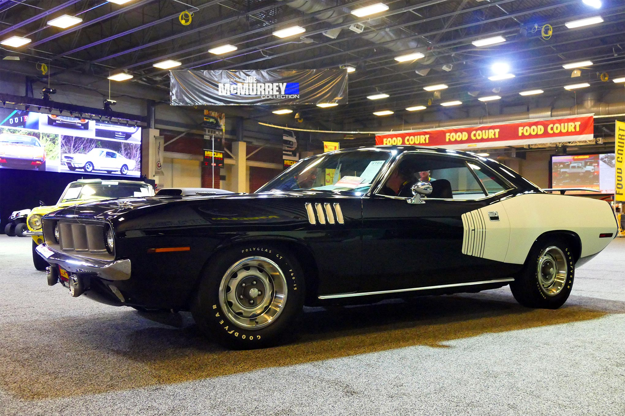 This 1971 Hemi 'Cuda garnered the highest no-sale bid of the weekend (besides the ZL1 and yesterday's Sox & Martin Pro Stock) as $500,000 was offered in spirited bidding during the early afternoon.