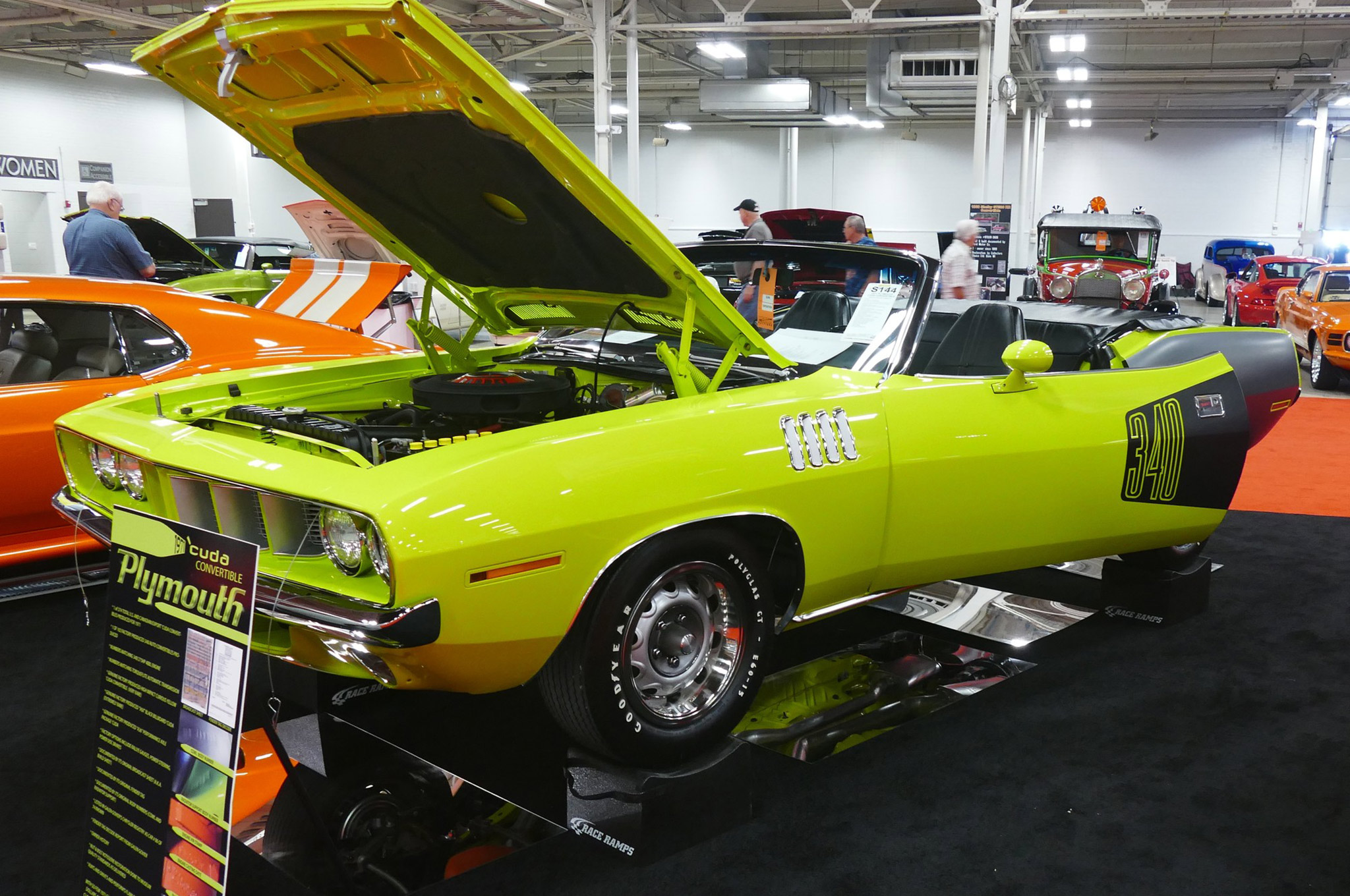 Here is a 1971 'Cuda 340 convertible (S144) that showed the performance E-Body droptops are strong regardless of engine. It took an aggressive $125,000 to put into a new garage. Sold!